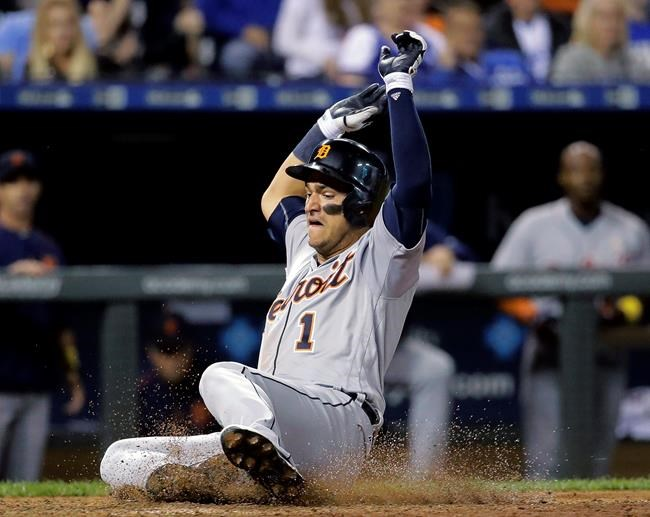 Tigers strand 12 runners on base in 5-2 loss to Royals