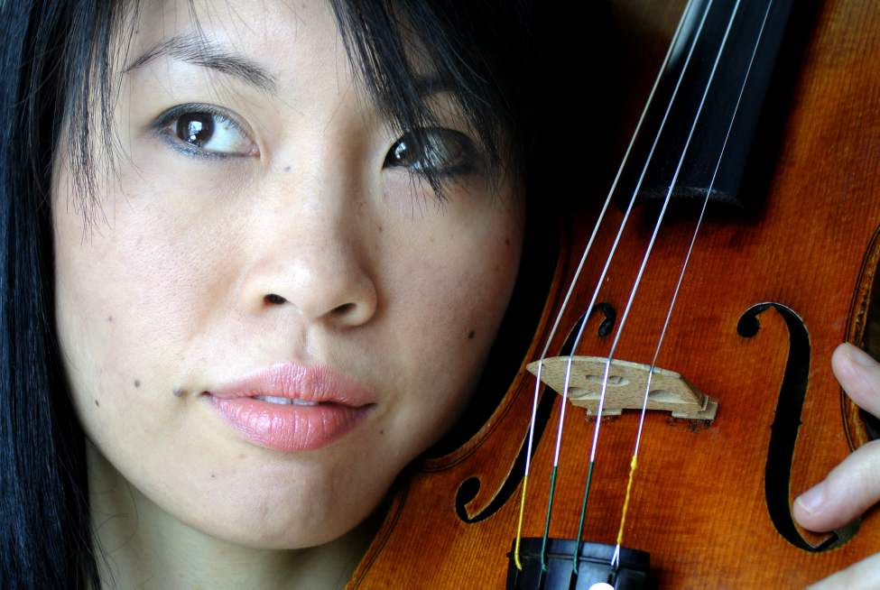 Phoebe Tsang, violinist for the Winnipeg Symphony Orchestra.   Tuesday, January 24, 2012. (MIKE DEAL / WINNIPEG FREE PRESS)