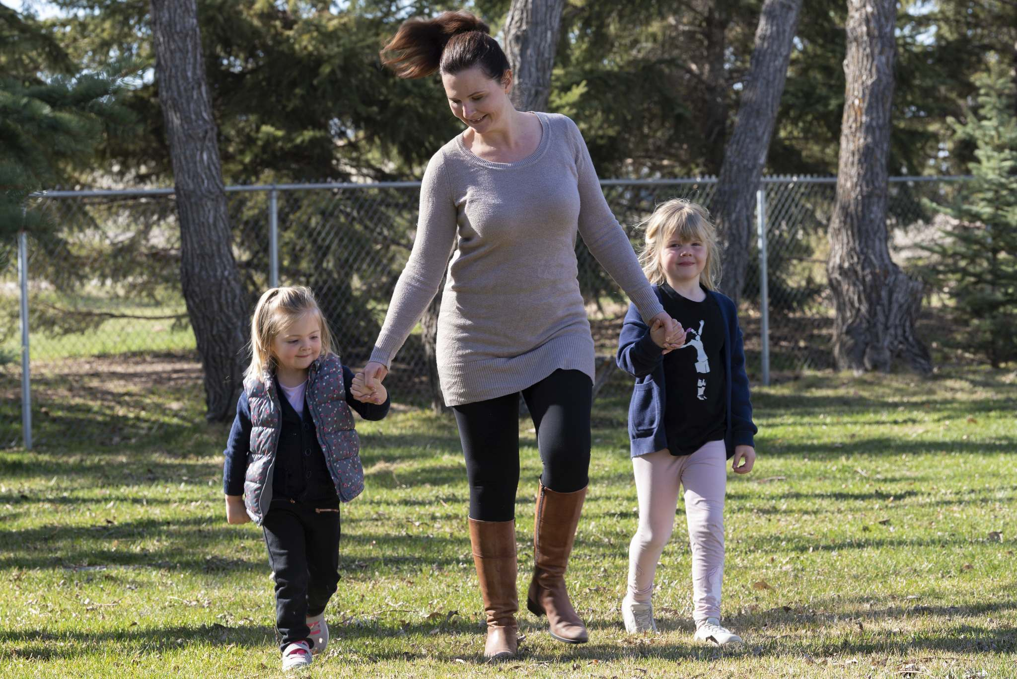 Jennifer Oldfield and her daughters, Audrey, 4, and Charlotte, 6, at their Oak Bluff home; Oldfield has been navigating the challenges of being a mother and a teacher throughout the pandemic.</p>