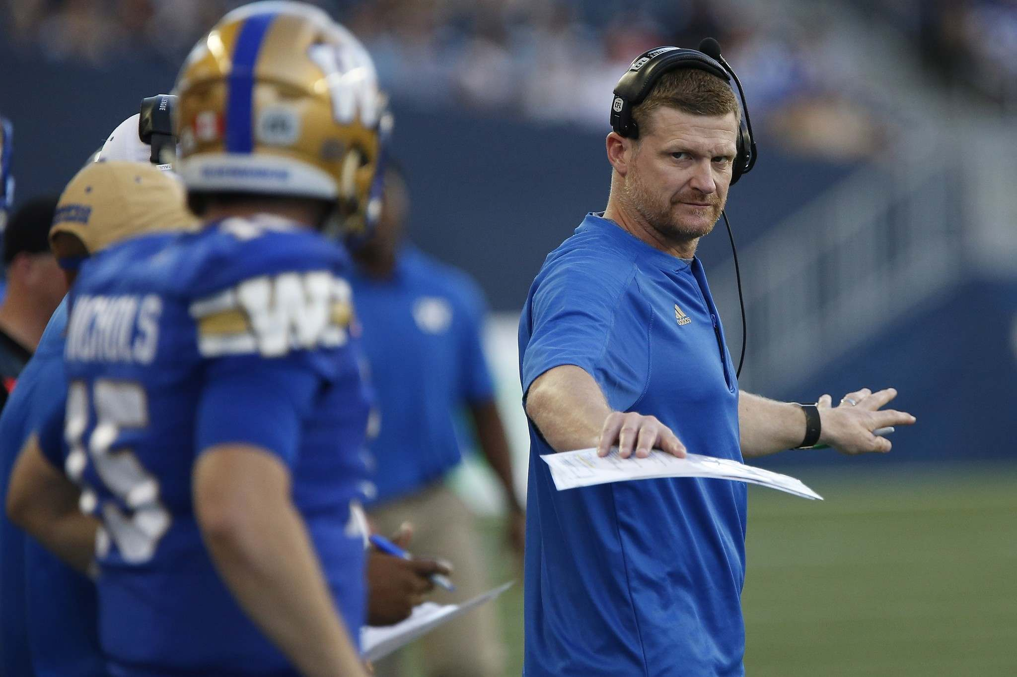 John Woods / The Canadian Press</p><p>Winnipeg Blue Bombers head coach Mike O&rsquo;Shea with quarterback Matt Nichols on the sidelines Thursday against the Calgary Stampeders. O&rsquo;Shea has, for whatever reason, been reluctant to use Nichols.</p></p>