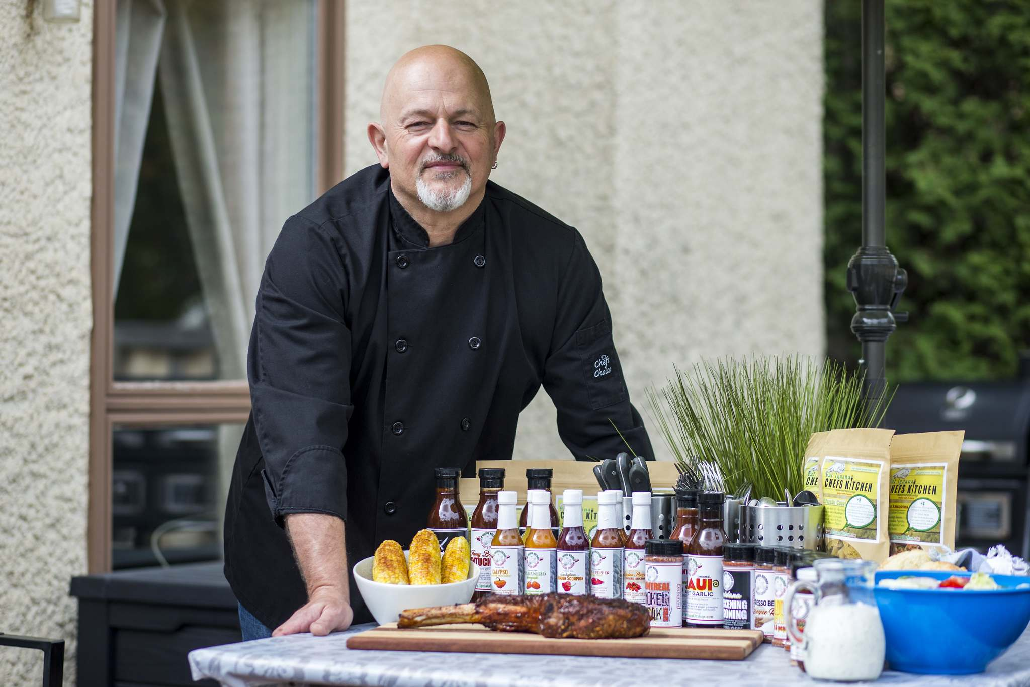 Steve Hunt-Lesage, who last toiled in a restaurant in 2005, is putting his real estate career on hold for the foreseeable future to devote his full attention to Fat Iguana Chef's Kitchen