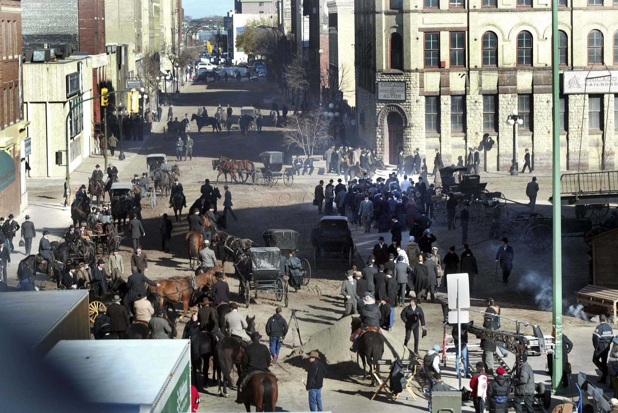 A scene for the movie The Assassination of Jesse James by the Coward Robert Ford was shot in Winnipeg's Exchange District in October, 2005. (Wayne Glowacki / Winnipeg Free Press files)</p>