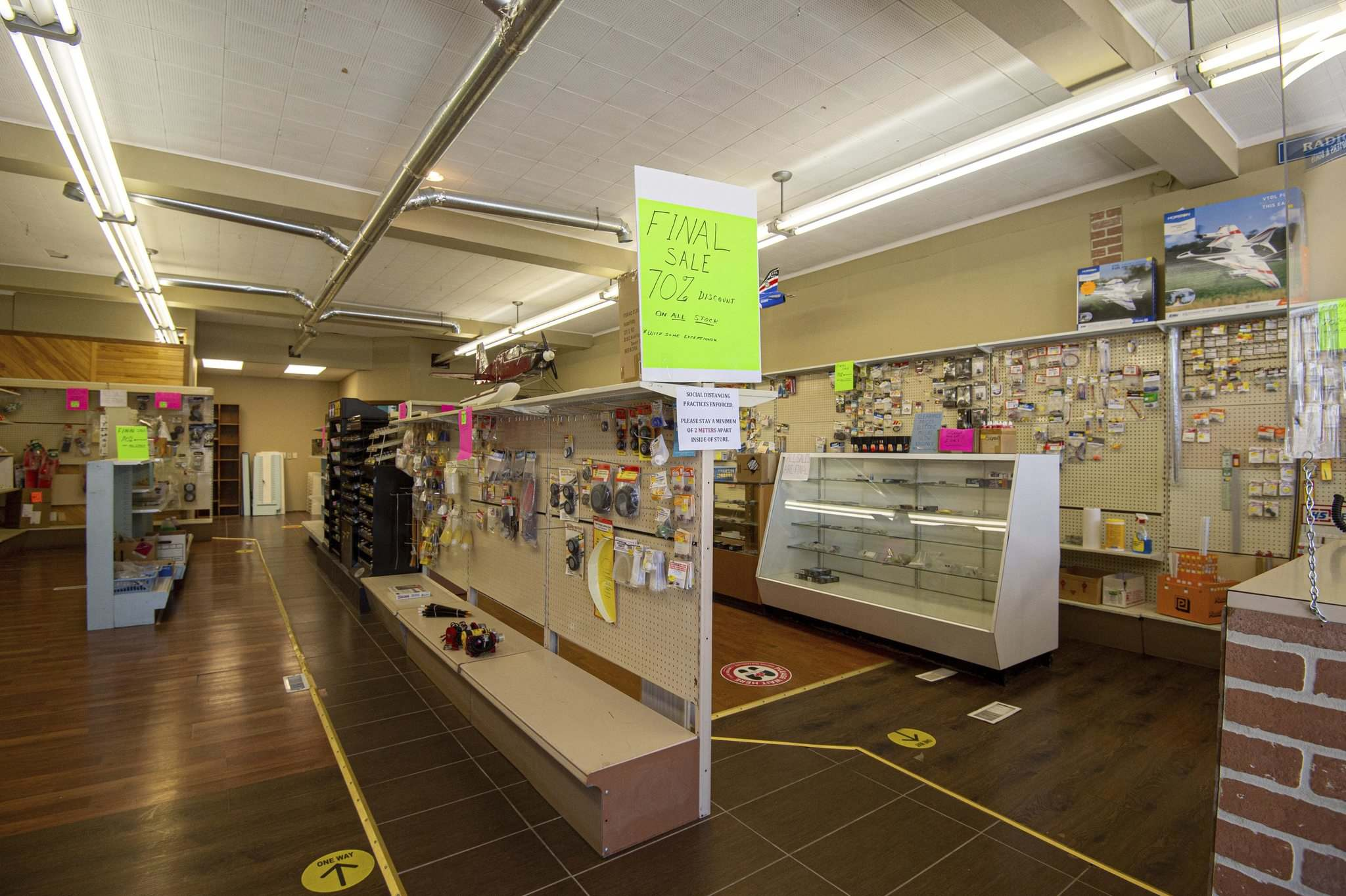 MIKE SUDOMA / WINNIPEG FREE PRESS</p><p>Customers have been flocking to Cellar Dweller to get their modelling supplies before the hobby shop's closing day.</p>