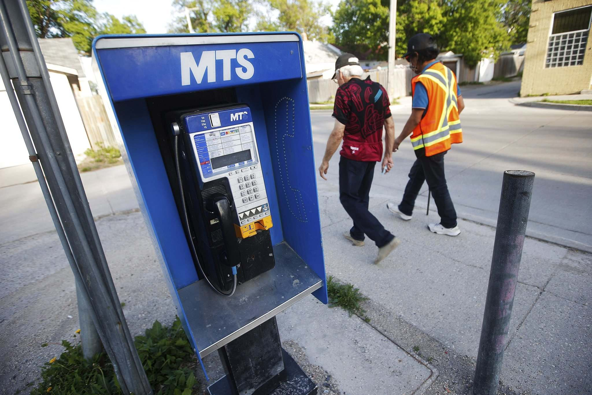 JOHN WOODS / WINNIPEG FREE PRESS</p><p>Demand for pay phones has dwindled dramatically in the age of cellphones.</p>