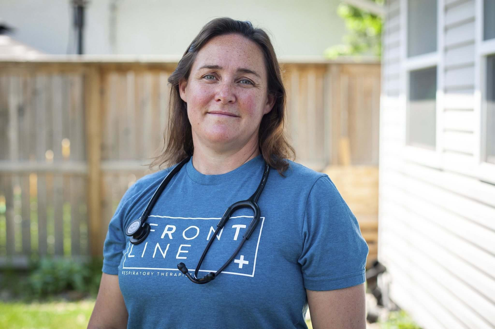 By the time HSC respiratory therapist Melissa Burdy treats her patients, they are in such dire straits they likely won't remember her. (Daniel Crump / Winnipeg Free Press)