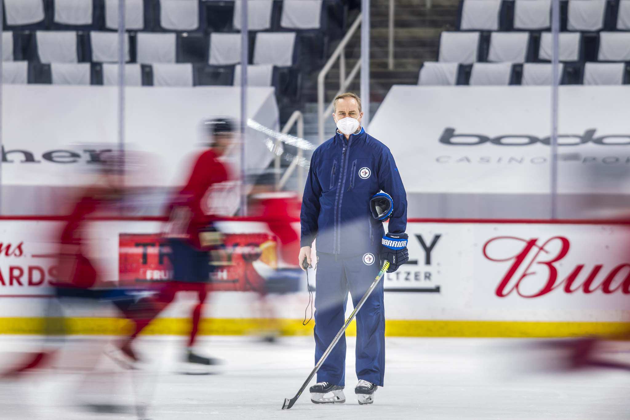 MIKAELA MACKENZIE / WINNIPEG FREE PRESS FILES</p> The painful annual exercise happens Wednesday at Bell MTS Place, where Winnipeg Jets coach Paul Maurice will sit down, one at a time, with his grim-faced players and talk about some uncomfortable truths.