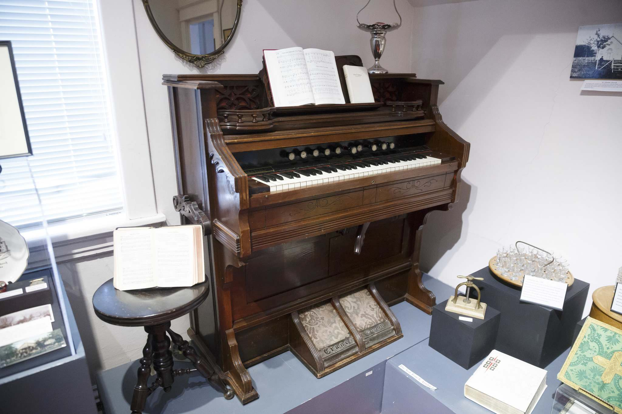 First organ in the St. James Anglican Church from 1858. (Mike Deal / Winnipeg Free Press)</p>