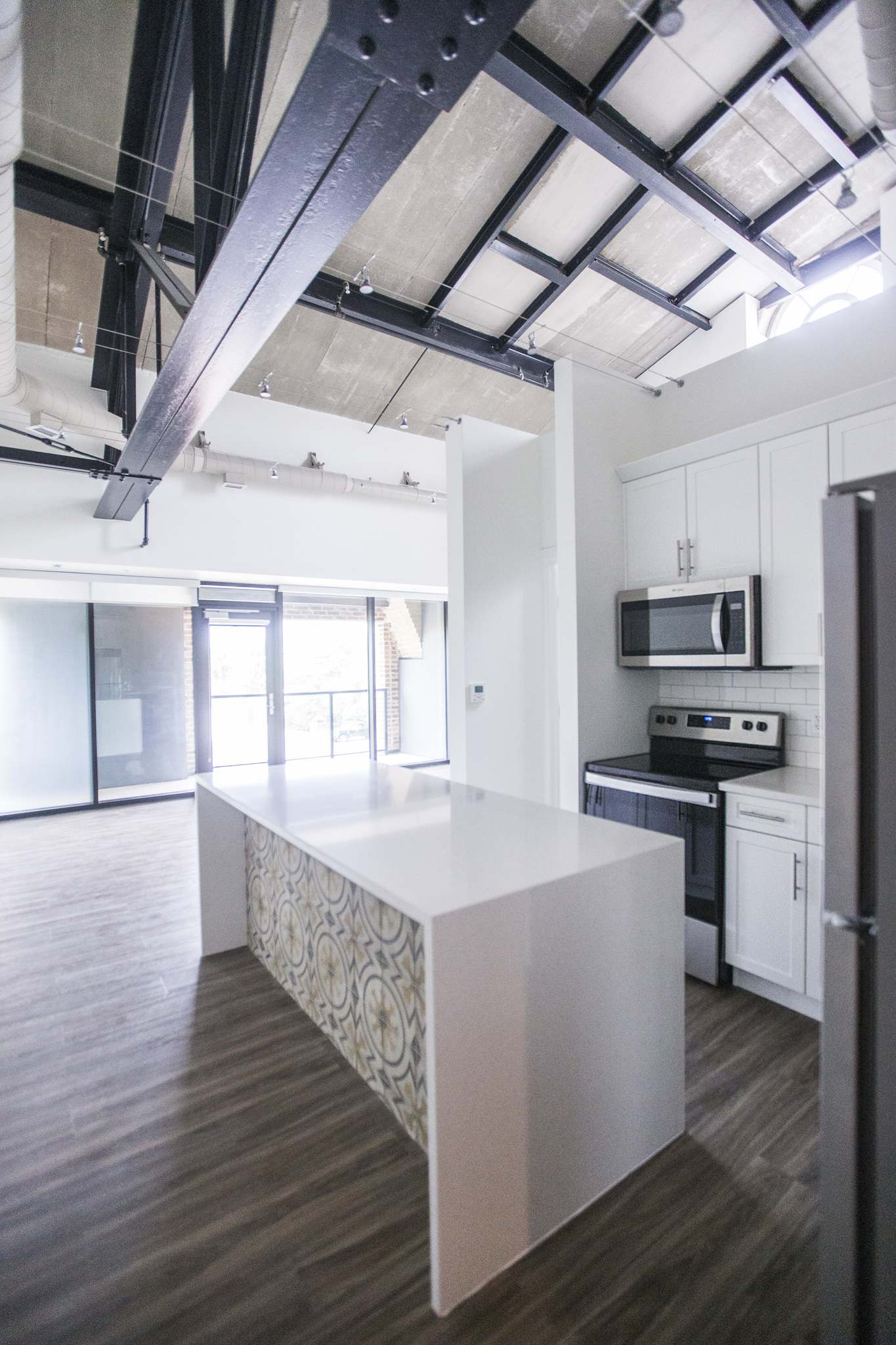 The units in the newly renovated Uptown Lofts on Academy Road are posh, and still provide praise to the past. (MIKAELA MACKENZIE / WINNIPEG FREE PRESS)