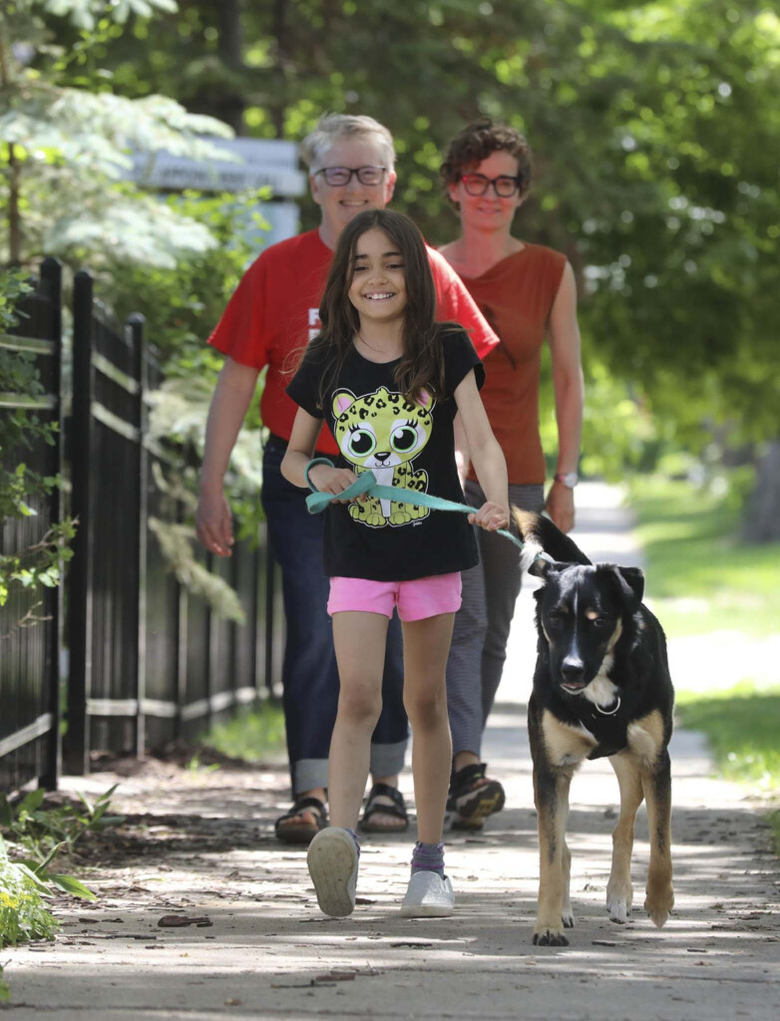Anna trains her dog Linden, with the help of moms, Luanne Karn and Heather Milne.</p>
