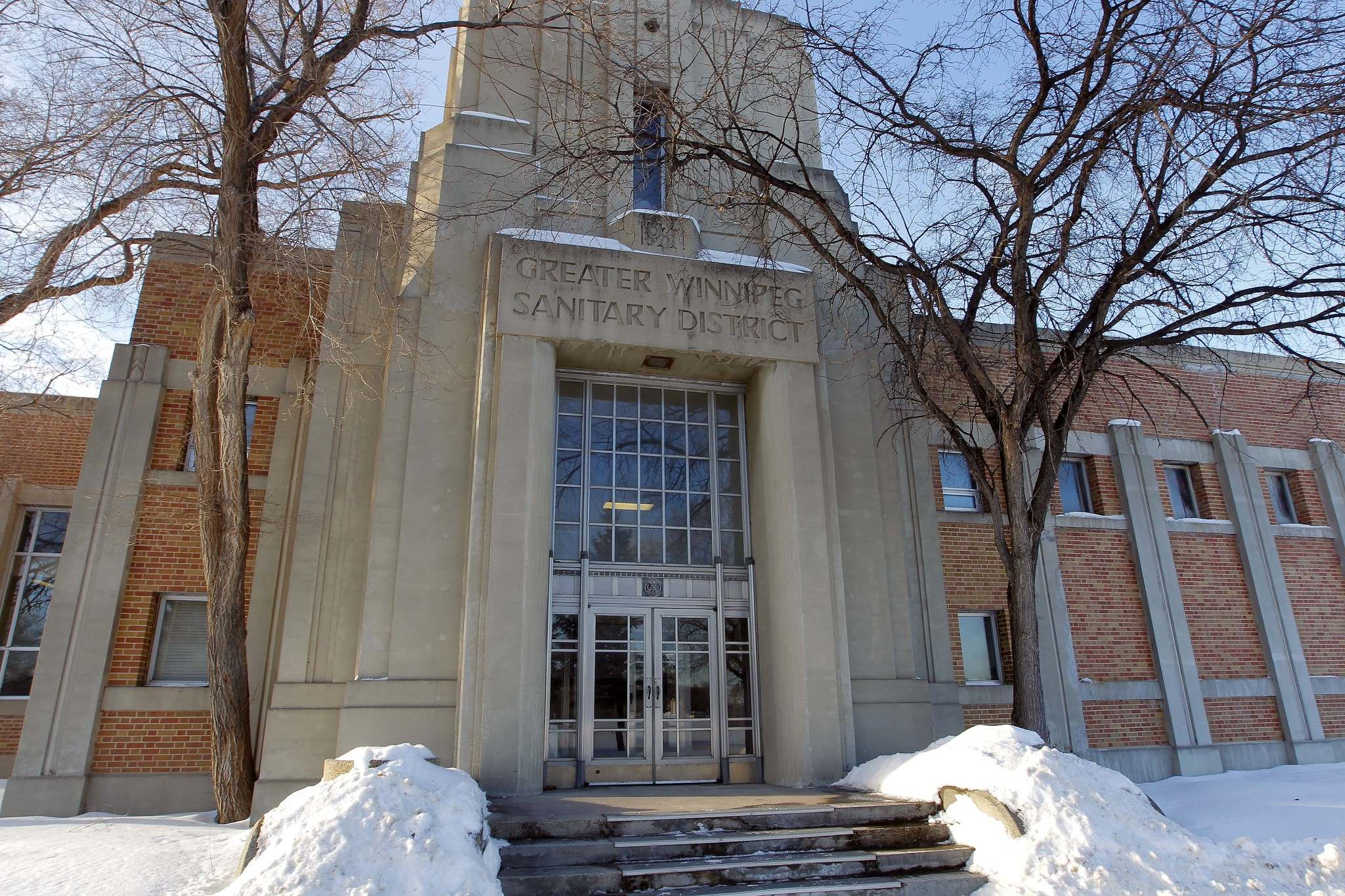 Winnipeg's plan to upgrade its north end sewage treatment plant could get some financial help this summer. (Boris Minkevich / Winnipeg Free Press files)</p>