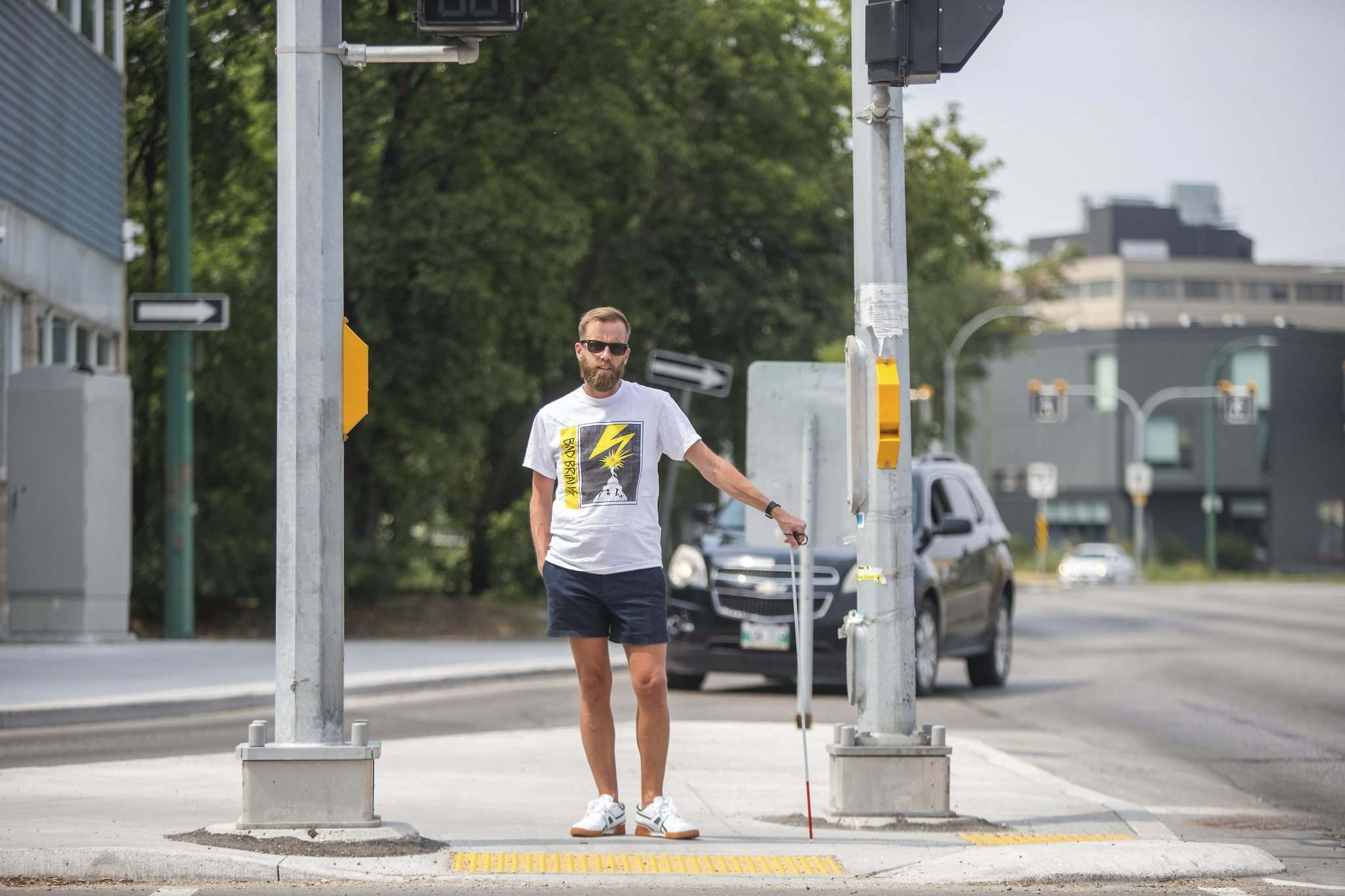 Tyler Sneesby says the signal at Broadway and Maryland Street has been broken for months, until he posted video of it on social media and tagged area politicians Tuesday. The signal was fixed sometime Tuesday or Wednesday. (Mikaela MacKenzie / Winnipeg Free Press)