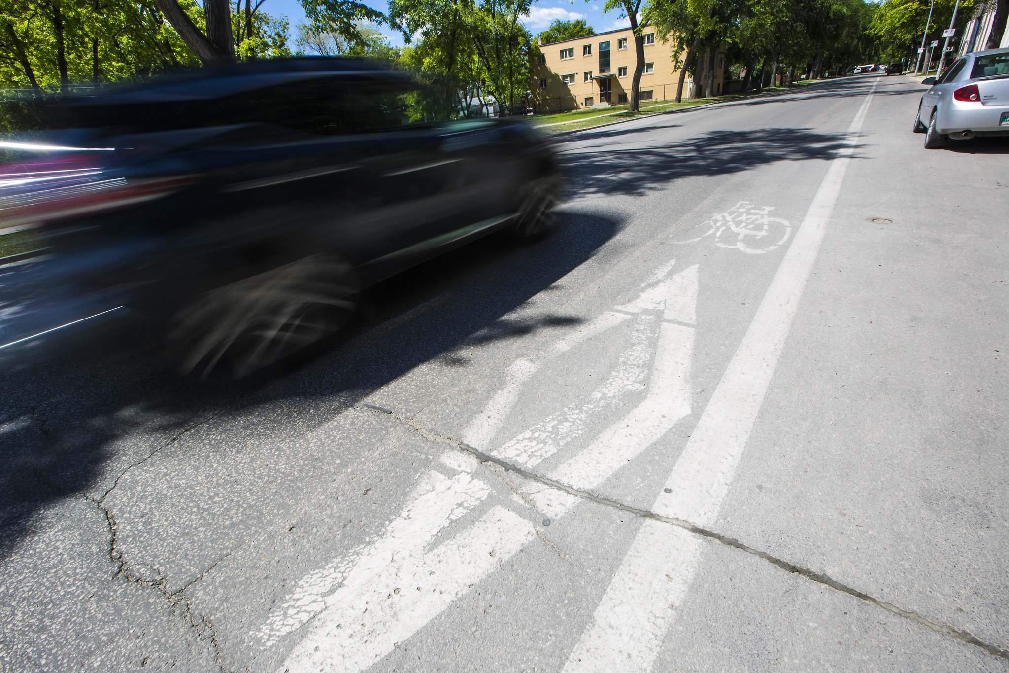 MIKAELA MACKENZIE / WINNIPEG FREE PRESS FILES </p> Instead of focusing on ticketing cyclists using sidewalks, Winnipeg might be better served by prioritizing safe and accessible biking infrastructure.