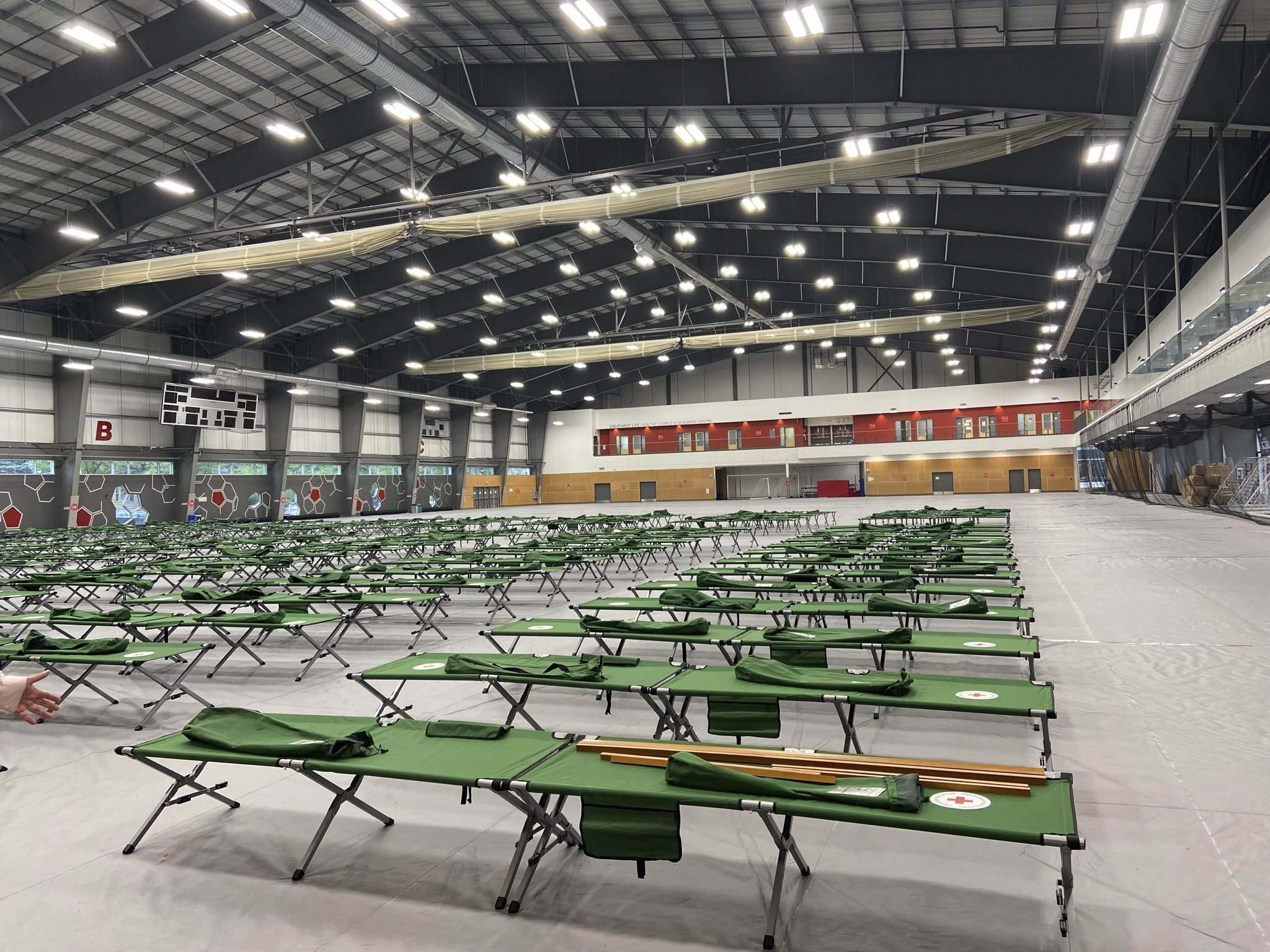 MALAK ABAS / WINNIPEG FREE PRESS</p><p>The Canadian Red Cross has set up a last-resort shelter should evacuees from Manitoba First Nations facing wildfires exceed hotel space in Winnipeg and Brandon.</p>