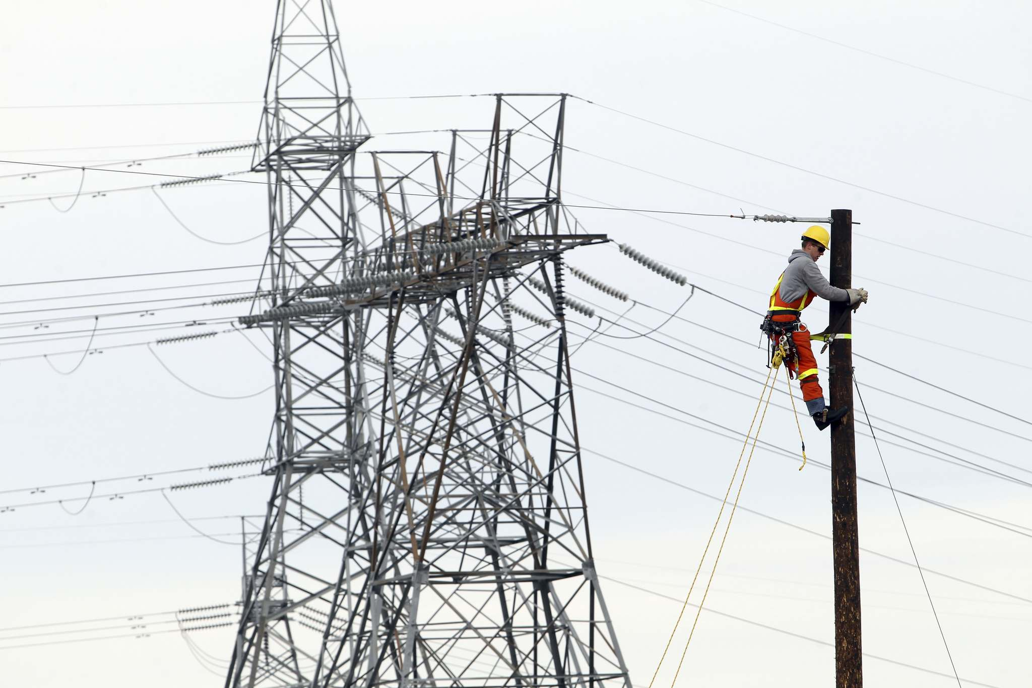 TIM SMITH / BRANDON SUN FILES</p><p>Canada&rsquo;s energy ministers should prod U.S. states to see Canada as a source of clean power and promote cross-border transmission infrastructure.</p>