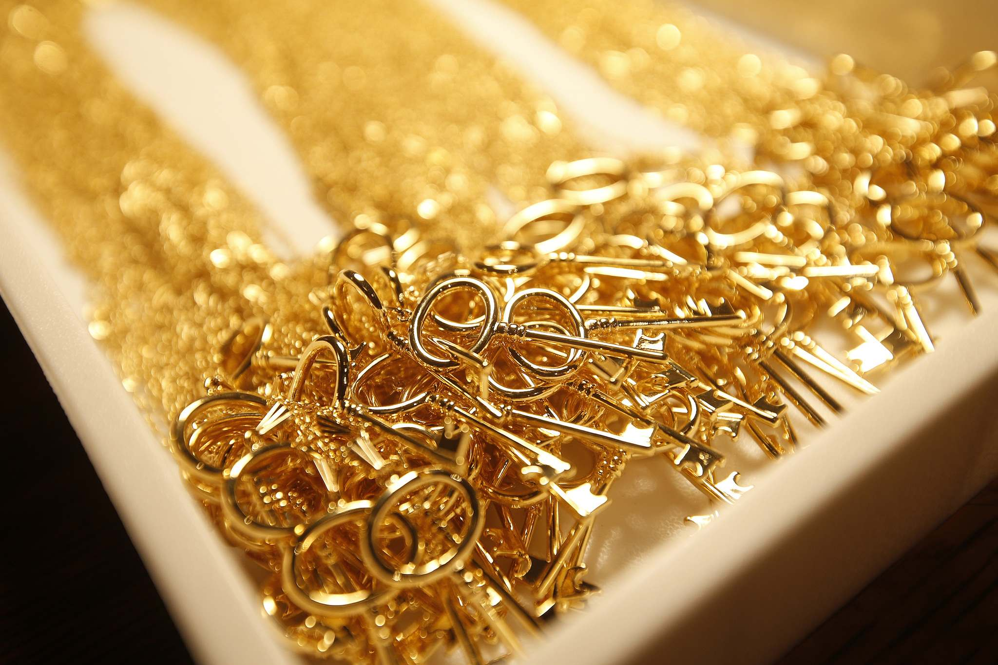 JOHN WOODS / WINNIPEG FREE PRESS</p><p>Velia Amador has been hard at work creating 250 of Jillian Leigh's custom key necklaces for Emmy and Golden Globe nominees.</p>