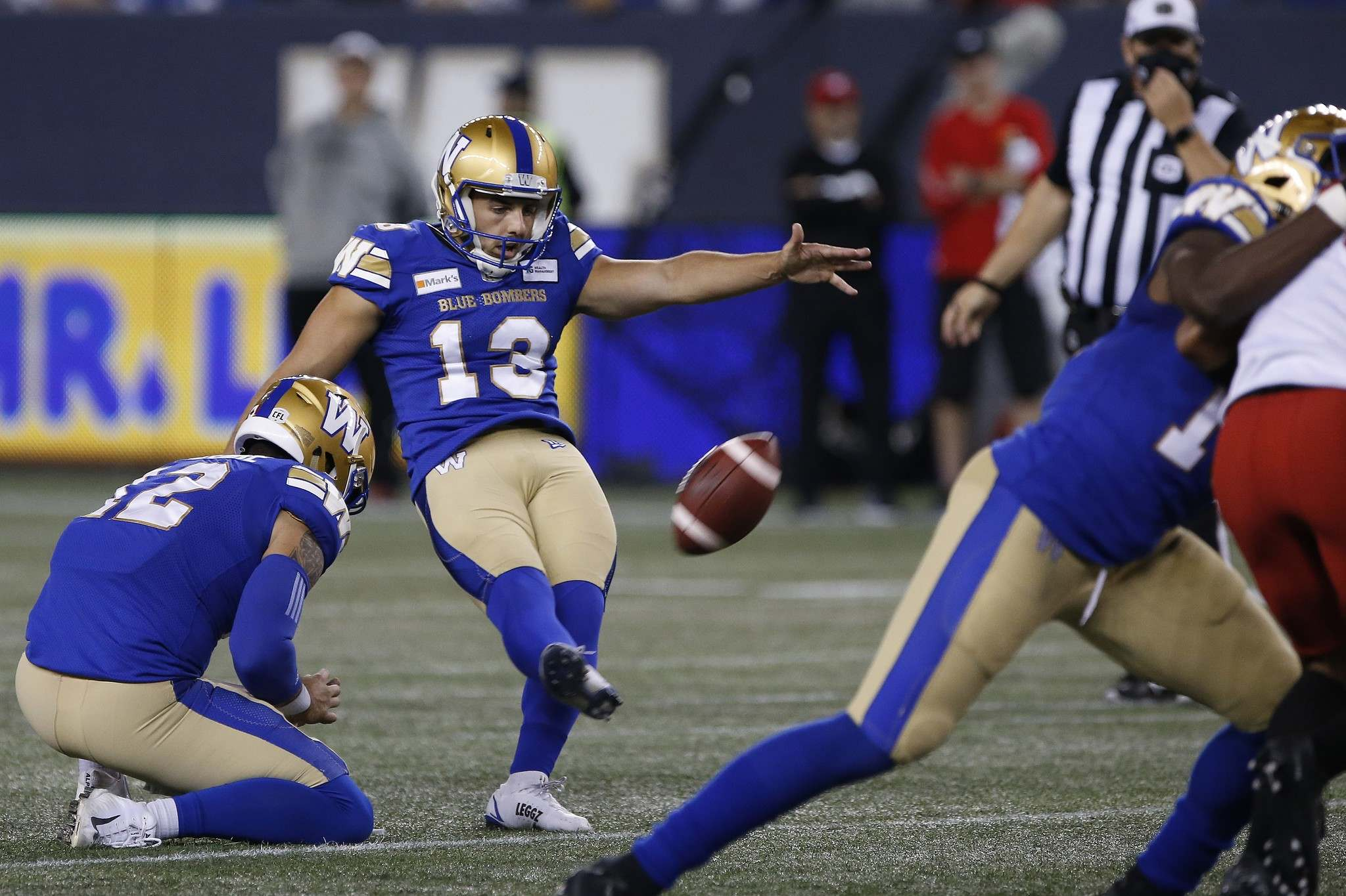 Marc Liegghio kicked four field goals during Sunday's game. (John Woods / The Canadian Press)