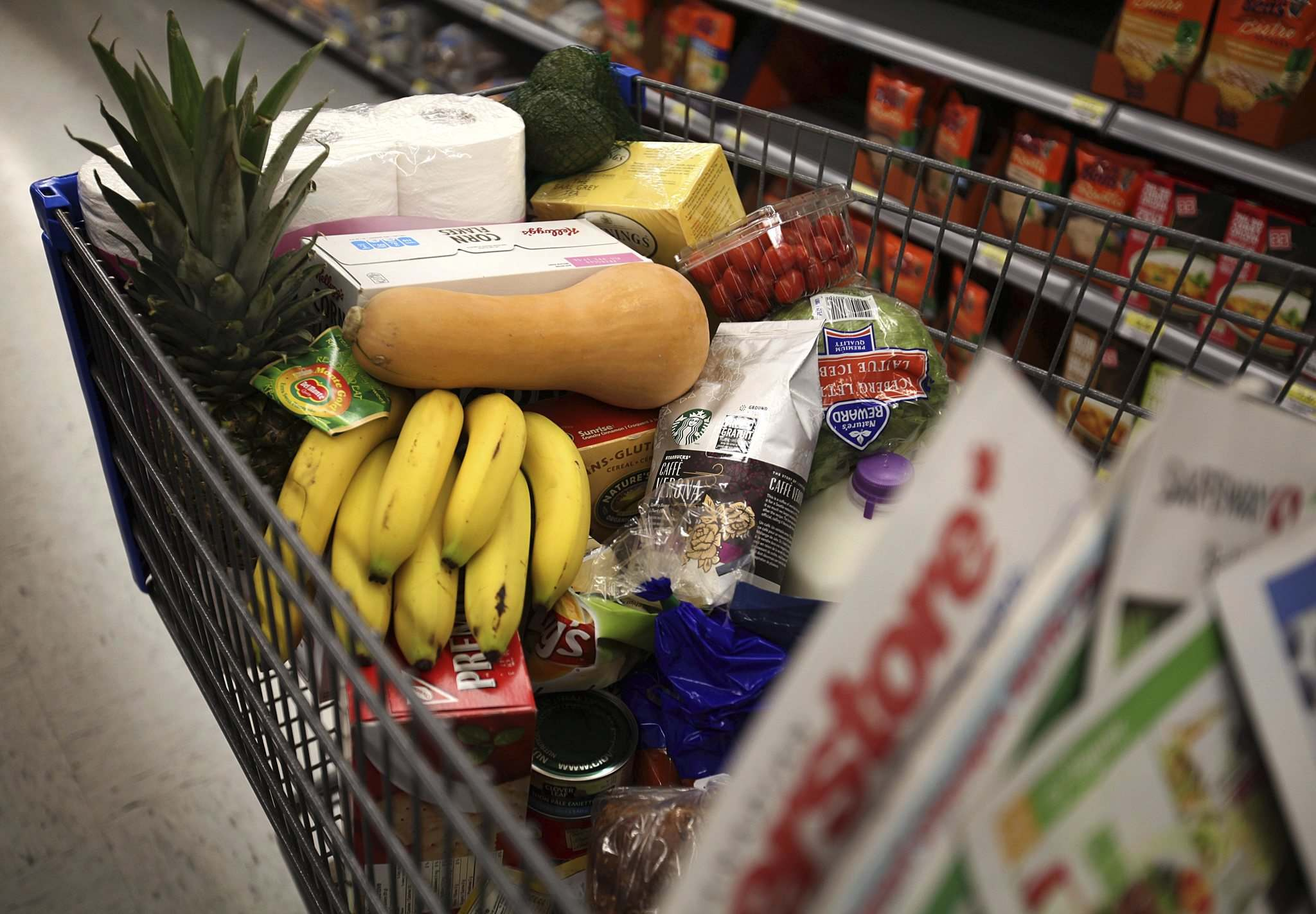 Ruth Bonneville / Winnipeg Free Press</p><p>The price of flour, cereal and some produce items has crept up since spring, and more increases are on the way. Grocery prices are being affected by the extreme heat and drought plaguing Canadian farmers and ranchers. </p>