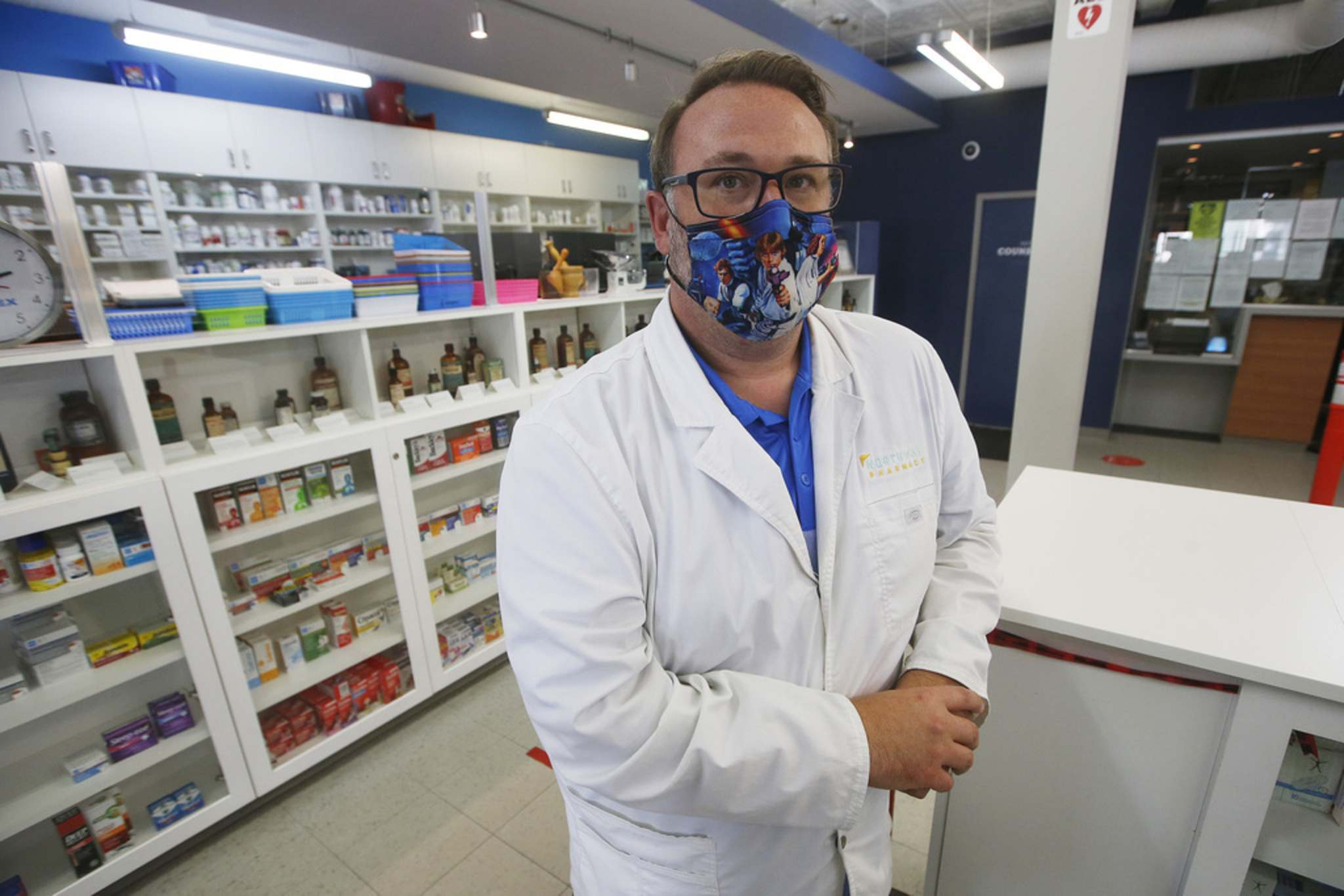 The concentrated methadone is enough to kill someone, says pharmacist Mike Watts. (John Woods / Winnipeg Free Press)