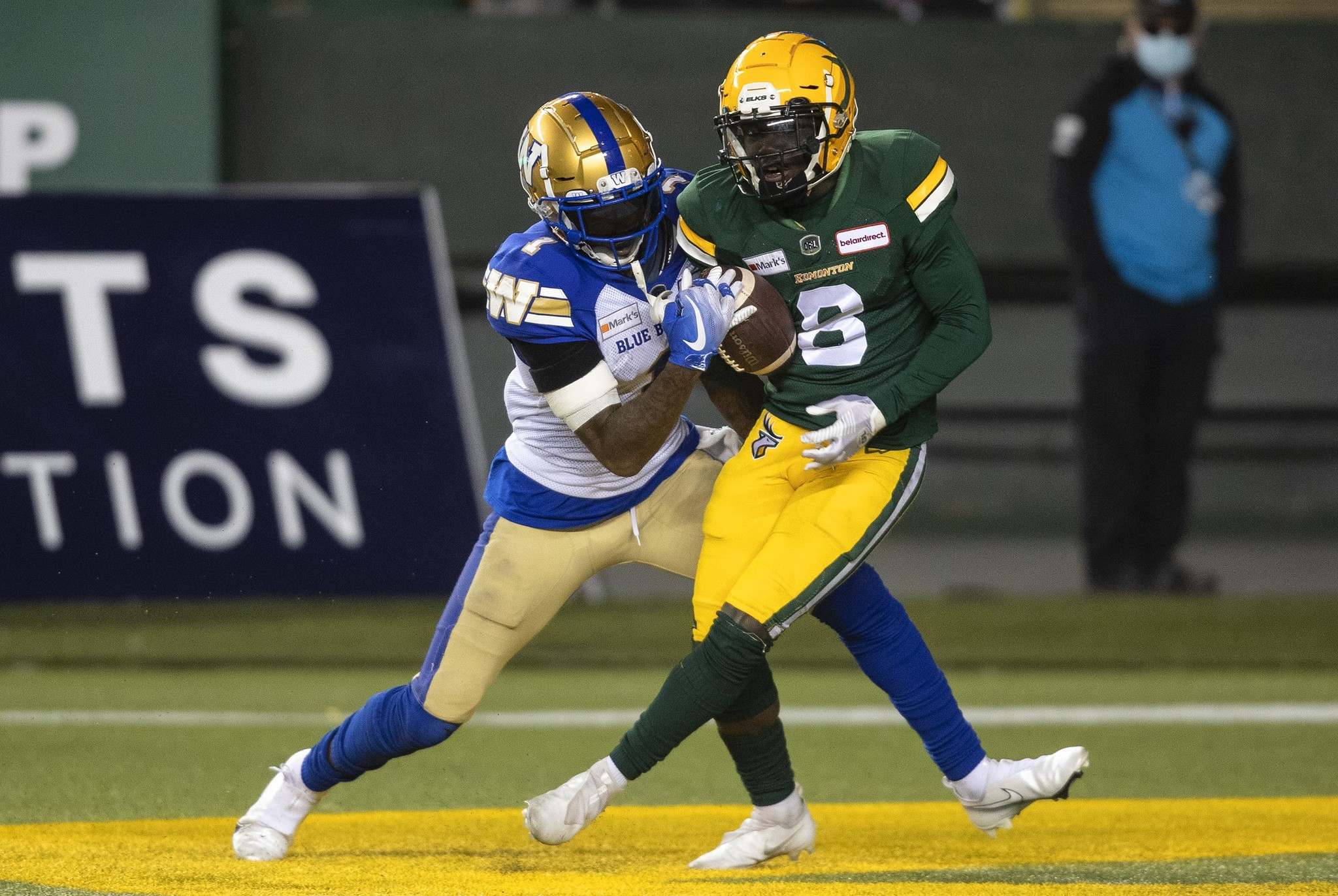Bomber QB Zach Collaros connected with Darvin Adams for a touchdown and a two-point convert against the Elks. (Jason Franson / The Canadian Press files)</p>