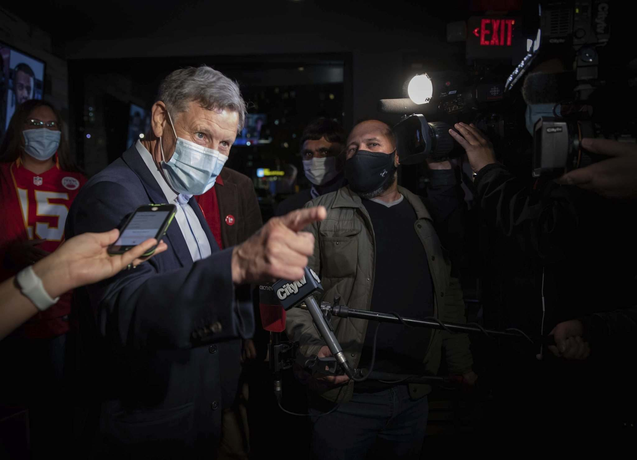 JESSICA LEE / WINNIPEG FREE PRESS</p><p>Liberal candidate Terry Duguid arrives at Nicolino's Restaurant to celebrate his win in the Winnipeg South riding last night.</p>