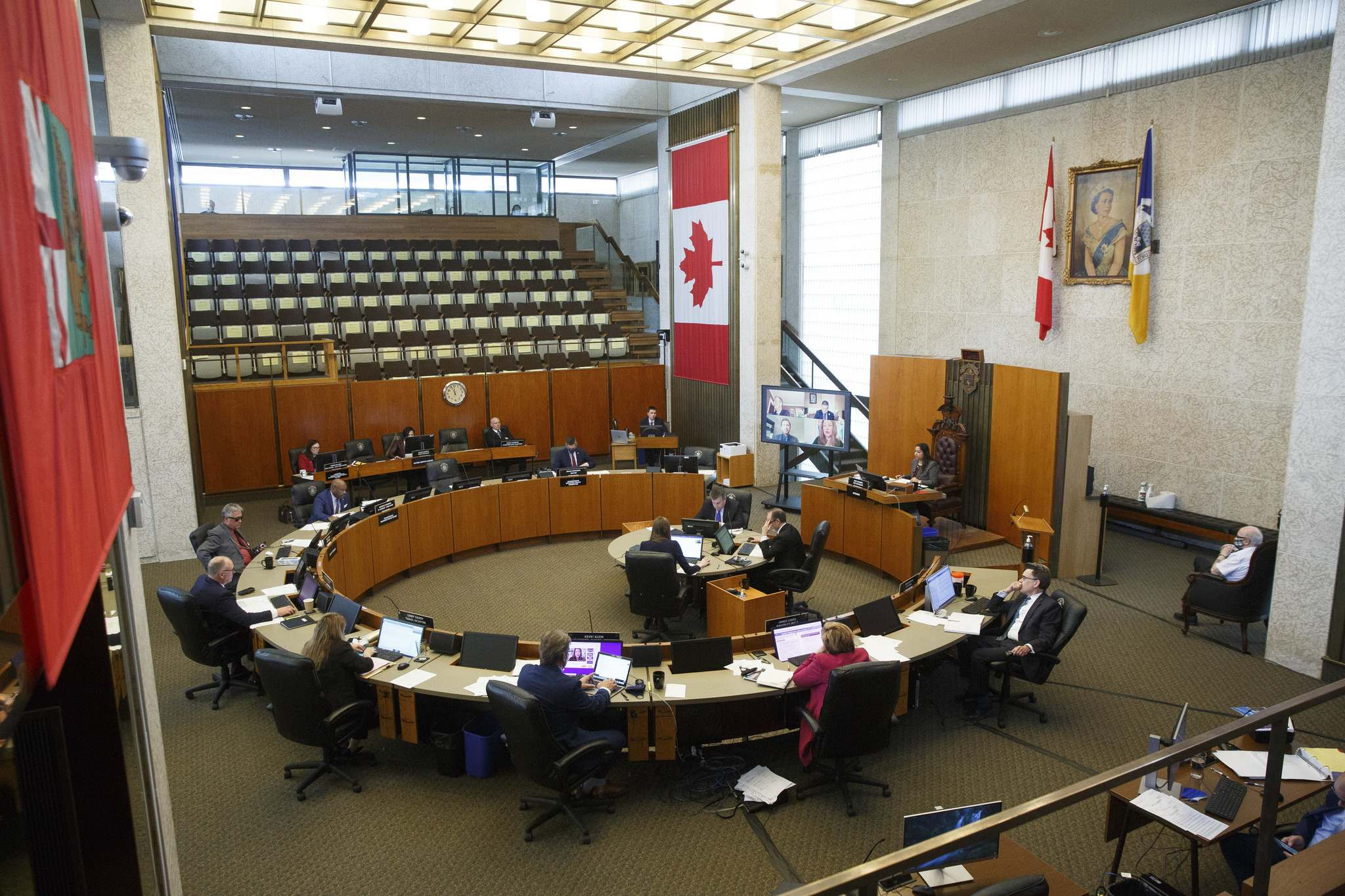A new motion calls for elected officials and their political staff to be fully immunized by Nov. 15. (Mike Deal / Winnipeg Free Press files)</p>