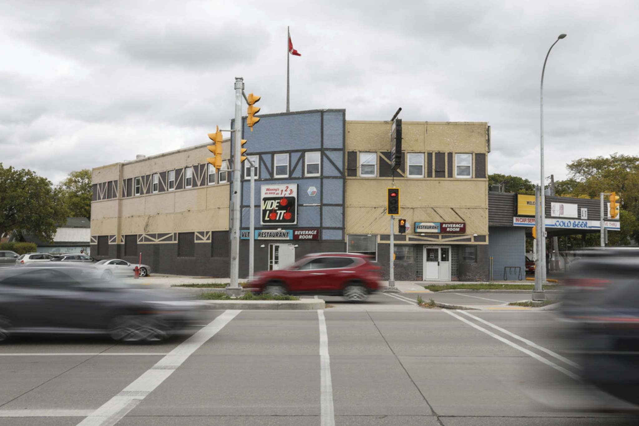 JESSICA LEE / WINNIPEG FREE PRESS</p><p>The Cambridge Hotel could be demolished and replaced with a residential apartment building. Development firm Richard Wintrup held a virtual open house Thursday to answer questions about plans for the site.</p>