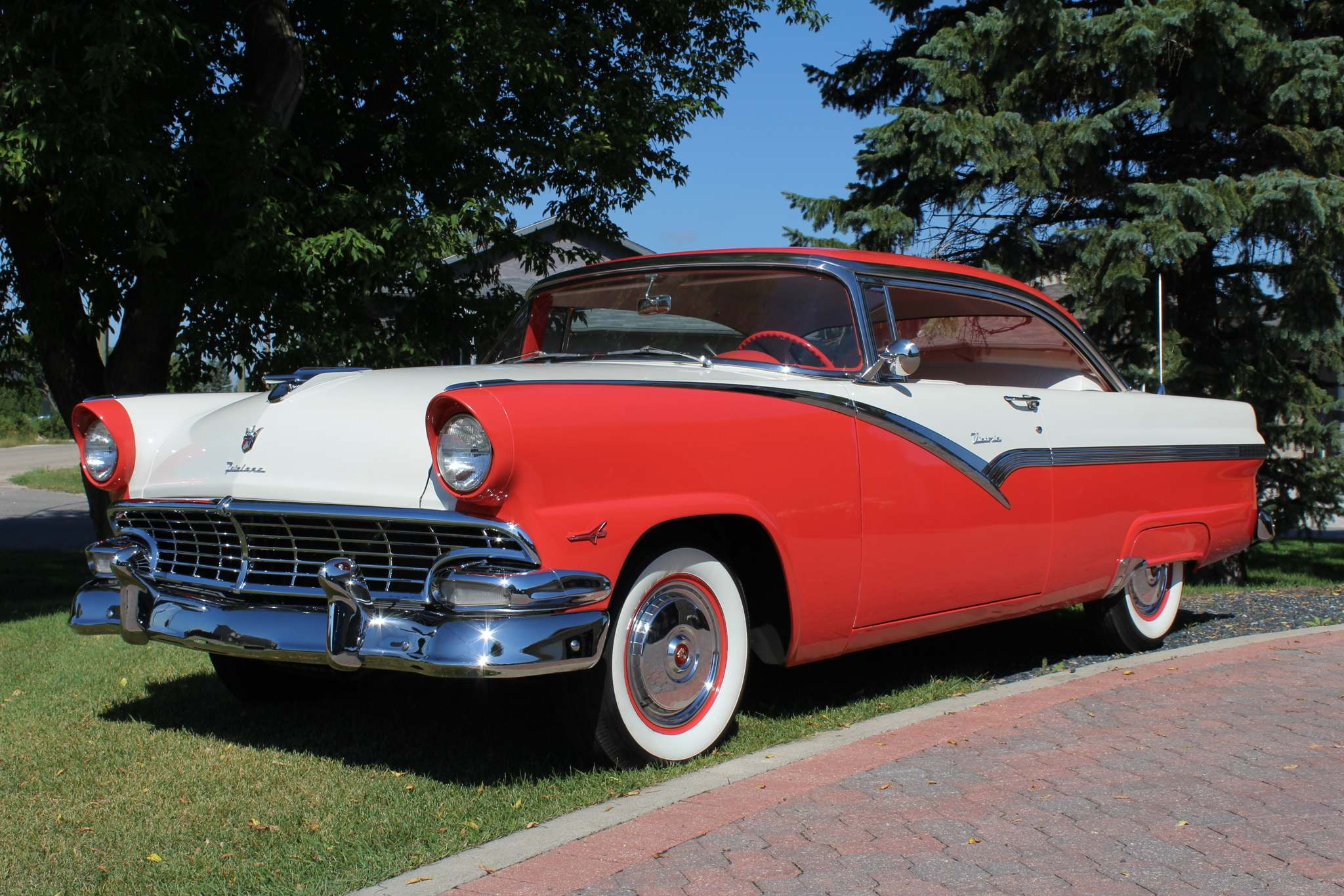 LARRY D'ARGIS / WINNIPEG FREE PRESSPat Fletcher always loved Fords from the 1950s, so he didn't hesitate last fall when a 1956 Fairlane Victoria hardtop came up on the auction block.