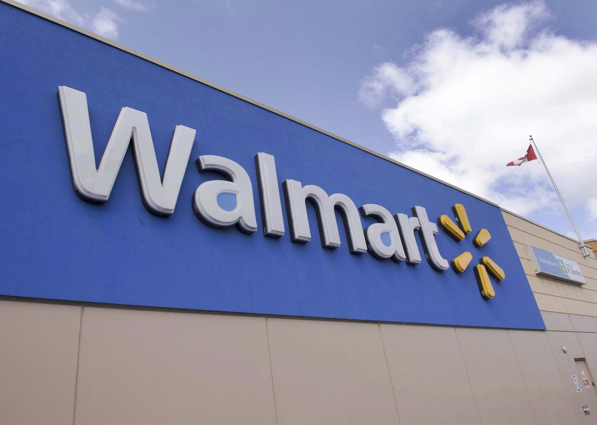 Starting Aug. 14, Walmart will allow consumers at six locations to shop for their groceries online for pickup the same day. (Ryan Remiorz / Canadian Press files)</p></p>