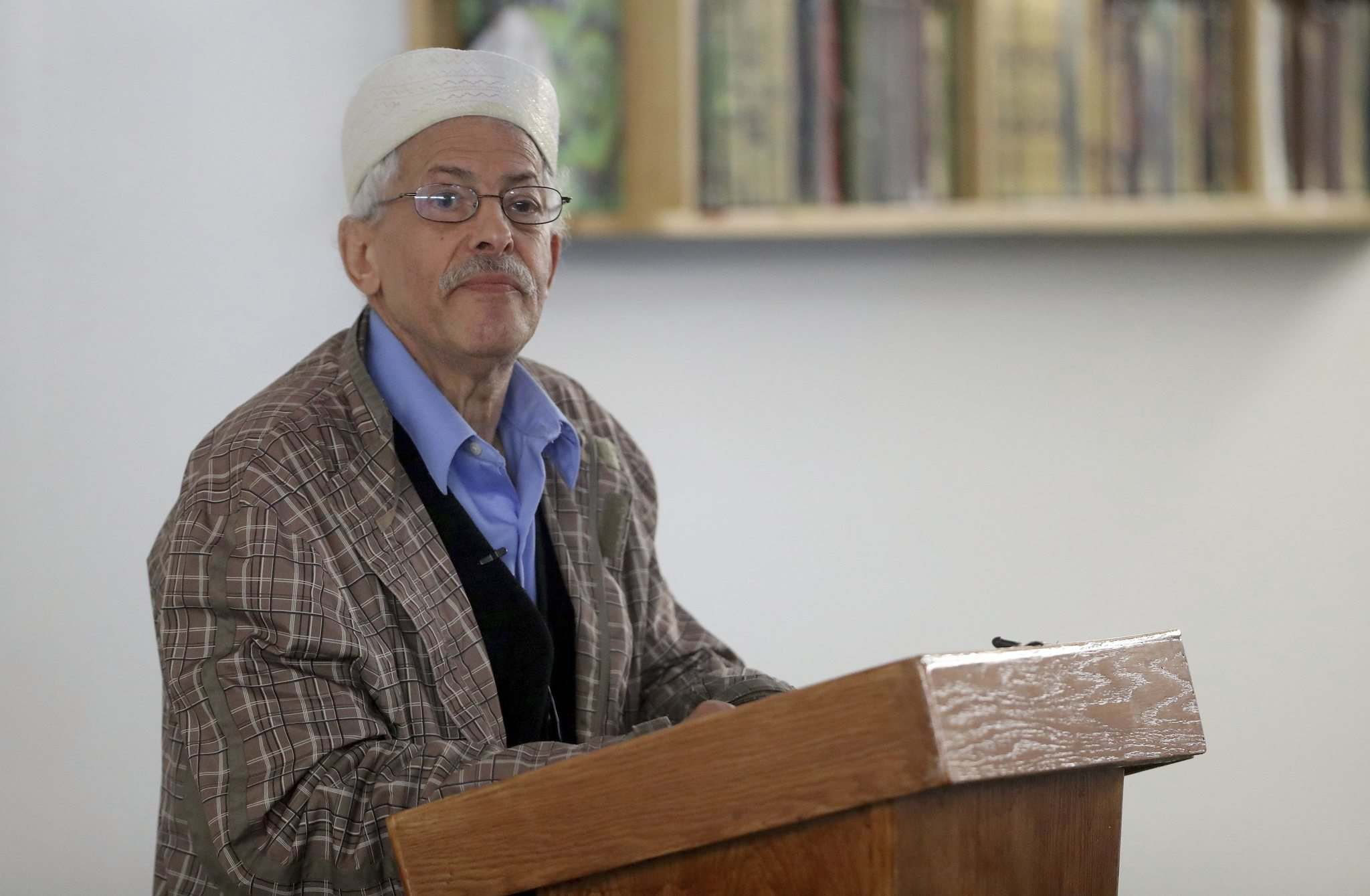TREVOR HAGAN / WINNIPEG FREE PRESS</p><p>Ezzat Ibrahim, one of the pioneering members, speaking at the newly renamed Pioneer Mosque on its 40th anniversary, Sunday.</p>