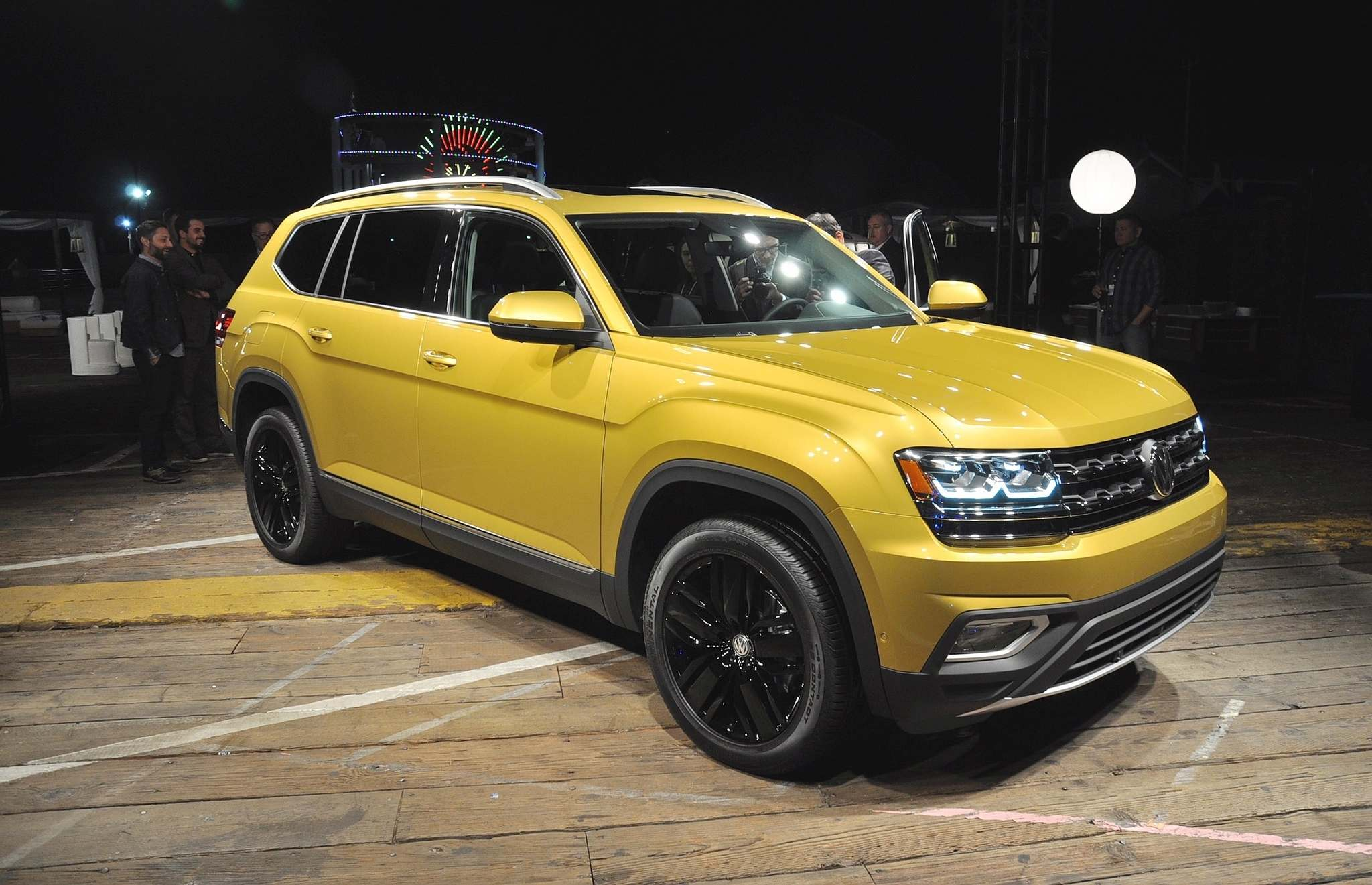 DEREK McNAUGHTON / POSTMEDIA NETWORK The 2018 Volkswagen Atlas sits low and wide, with a big, Jeep Cherokee-eating grin and an interior the size of an army tent.