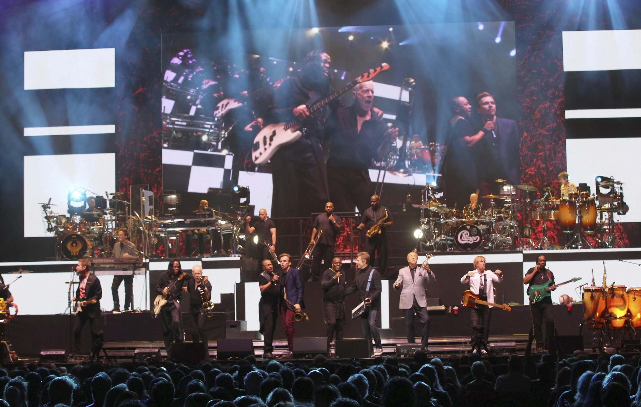 JOE BRYKSA / WINNIPEG FREE PRESS</p><p>Earth Wind and Fire and Chicago, with almost 200 million records sold between them, see 21 musicians onstage when the bands combine.</p></p>