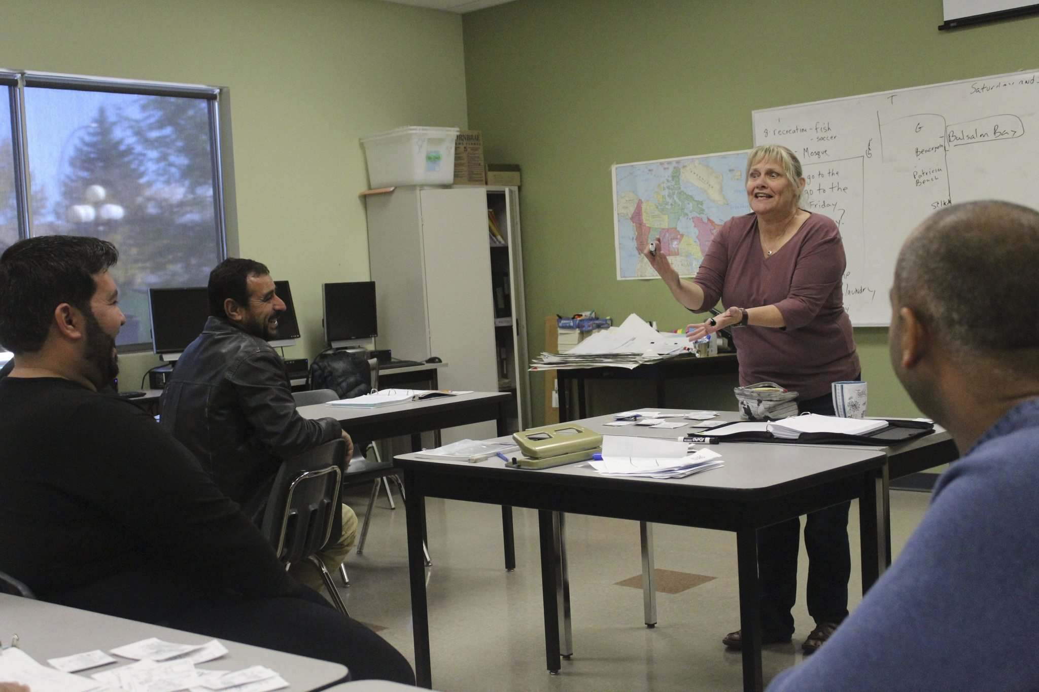 NOLAN KOWAL PHOTO</p><p>English as an additional language instructor Lisa Cariou tells students at the Seven Oaks Adult Learning Centre where the best fishing spots in Manitoba are.</p></p>
