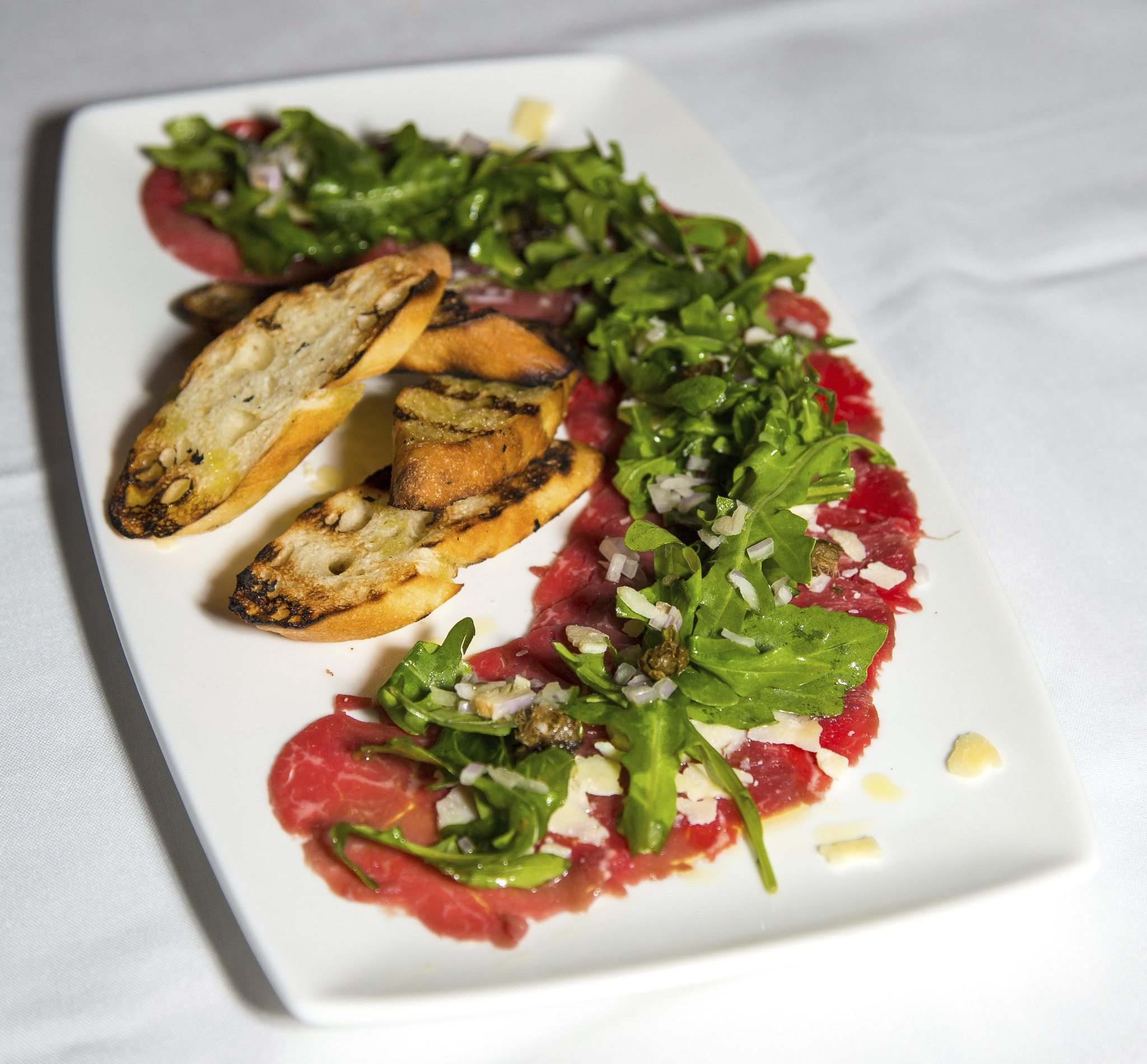GREG GALLINGER / WINNIPEG FREE PRESS</p><p>Carpaccio is one of many variations of beef offered at Carne.</p>