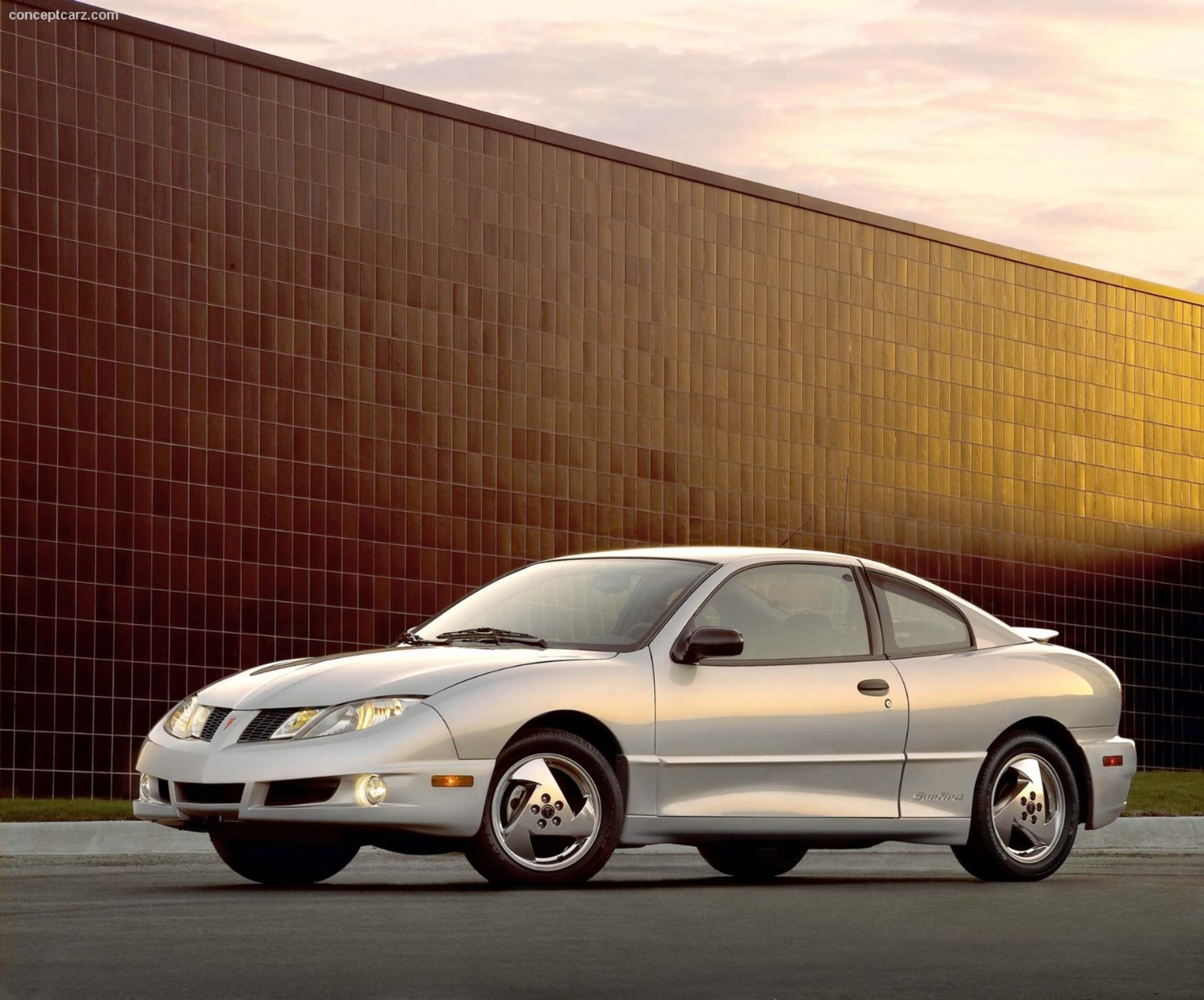 General MotorsA reader has notitced that his Pontiac Sunfire gets very loud once it goes faster than 65 km/h.