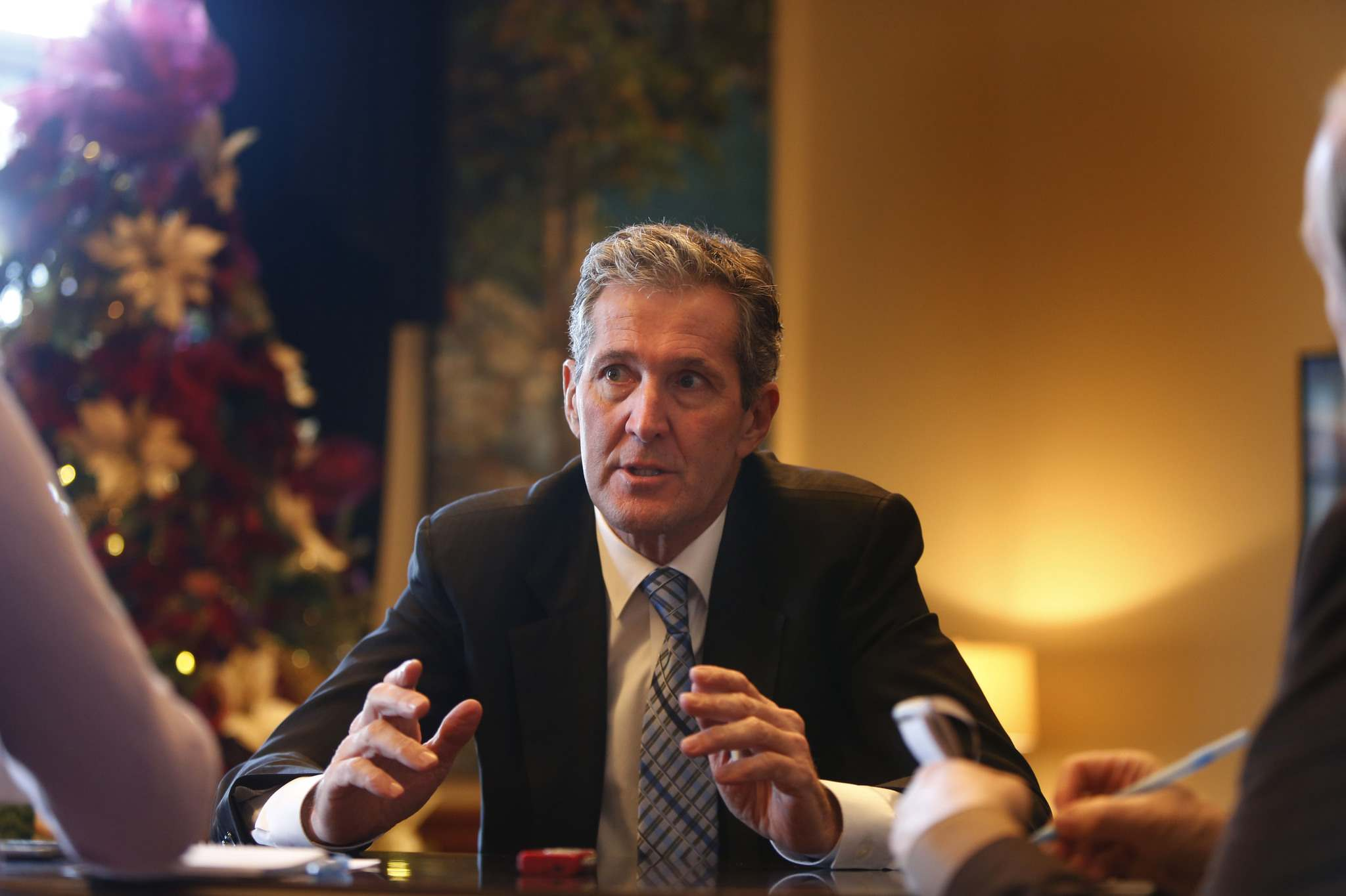 WAYNE GLOWACKI / WINNIPEG FREE PRESS</p><p>Premier Brian Pallister in his office for a year-end interview with the Free Press.</p>