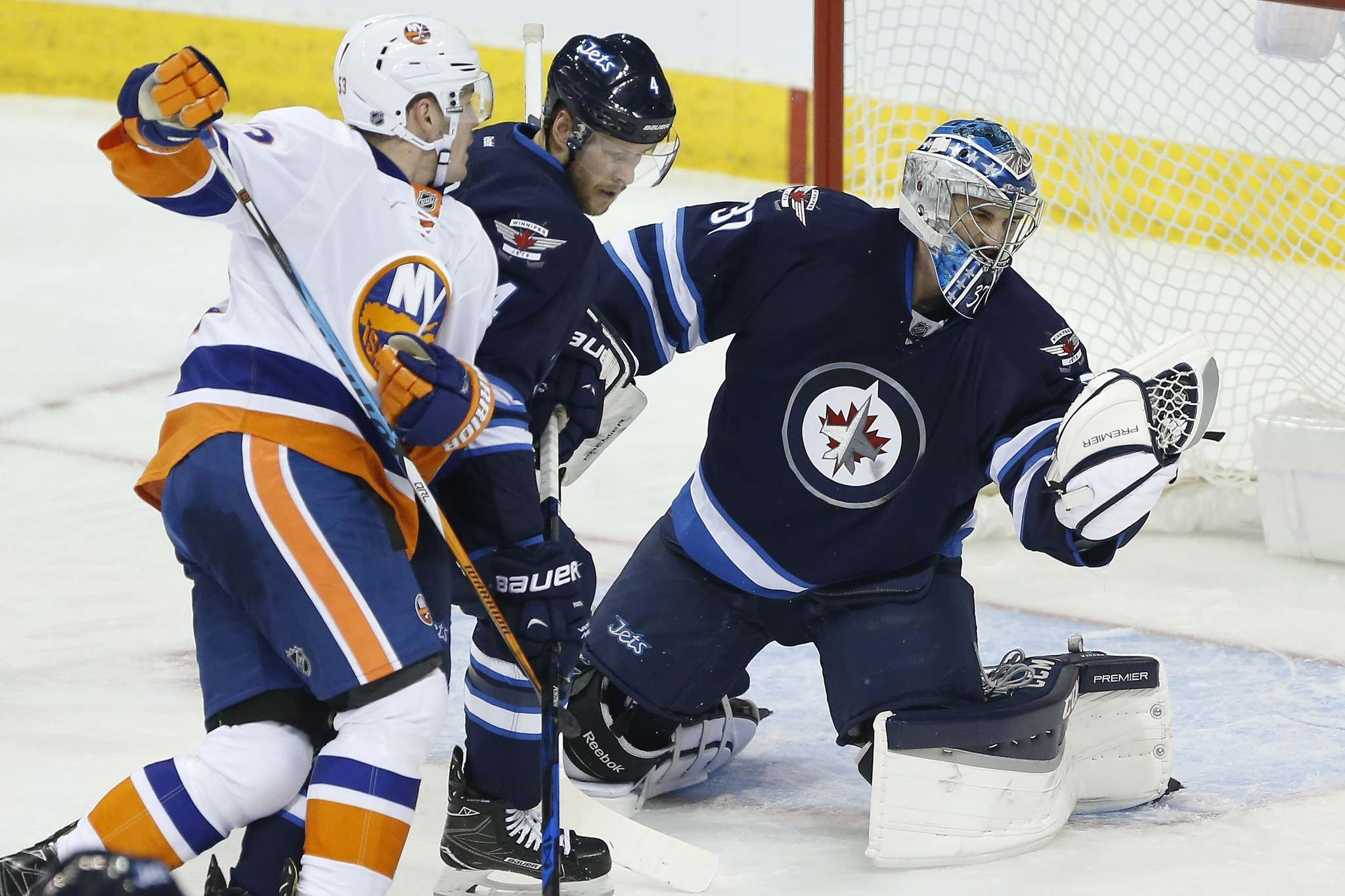 finest selection 261ac 3b9a0 Jets cap 2016 with 6-2 loss to Islanders - Winnipeg Free Press