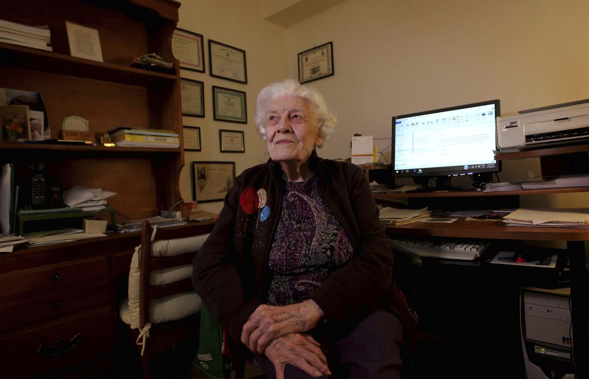 <p>RUTH BONNEVILLE / WINNIPEG FREE PRESS</p><p>Dryden is still teaching today, taking a bus three times a week to the Creative Retirement centre where she teaches computer classes to seniors.</p>