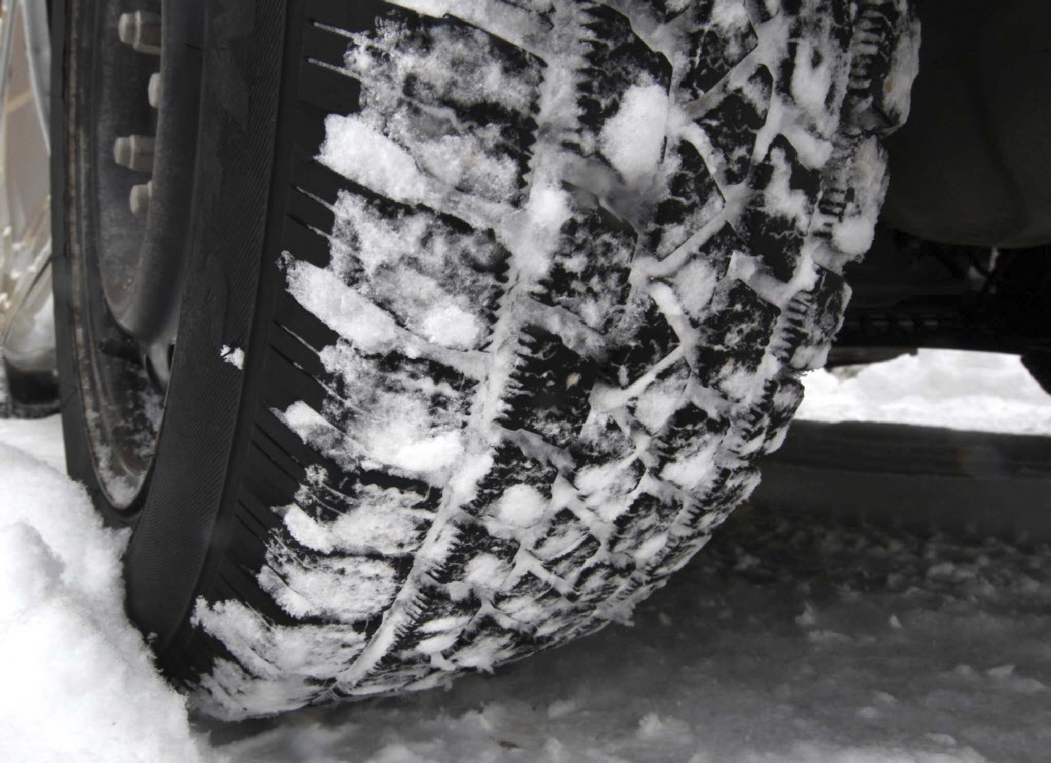 Used Tires Winnipeg >> Mpi Loan For Snow Tires Used For 71 000 Vehicles Winnipeg