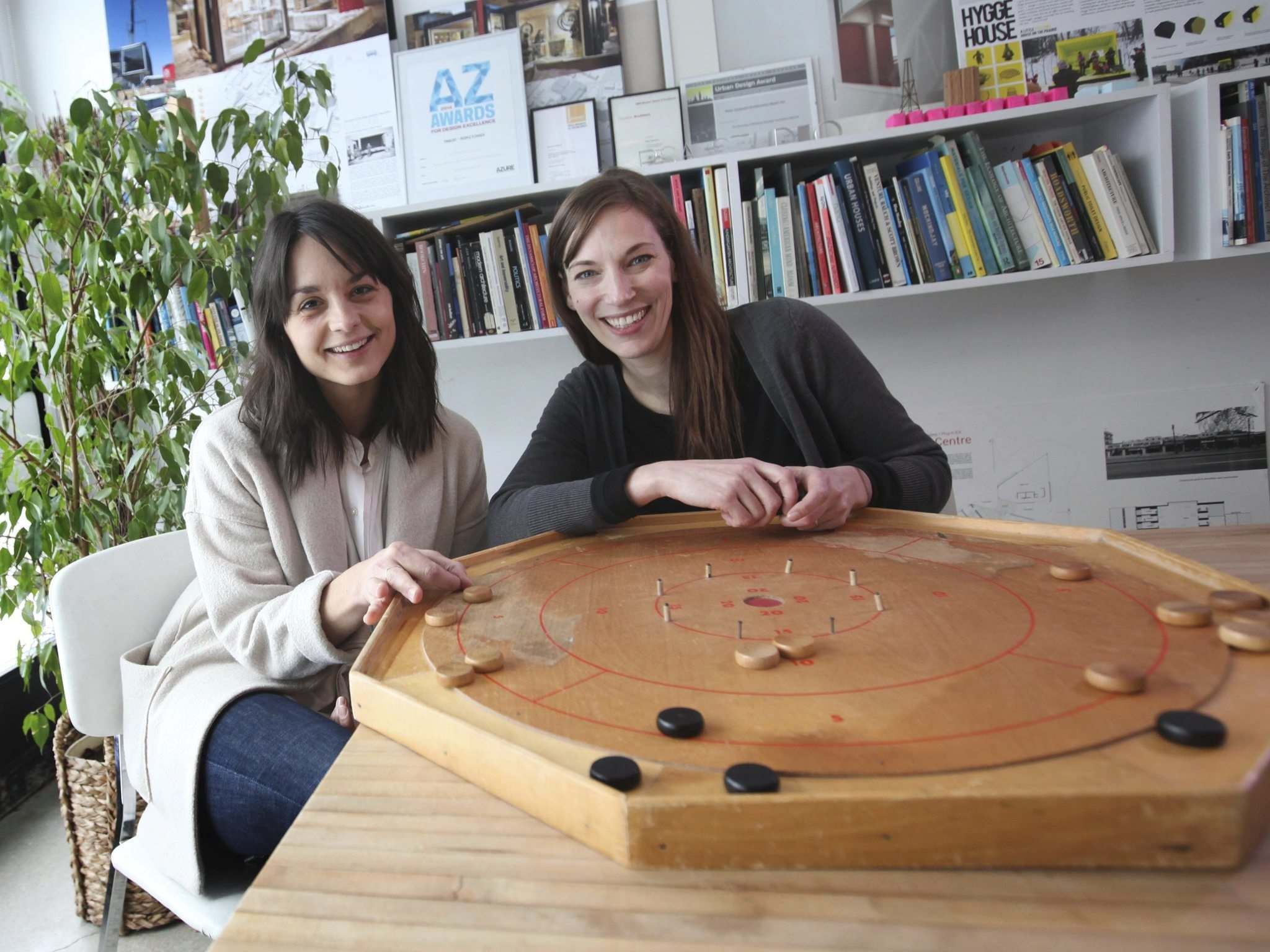 </p><p>Liz Wreford (right) and Leanne Muir with their crokinole board.