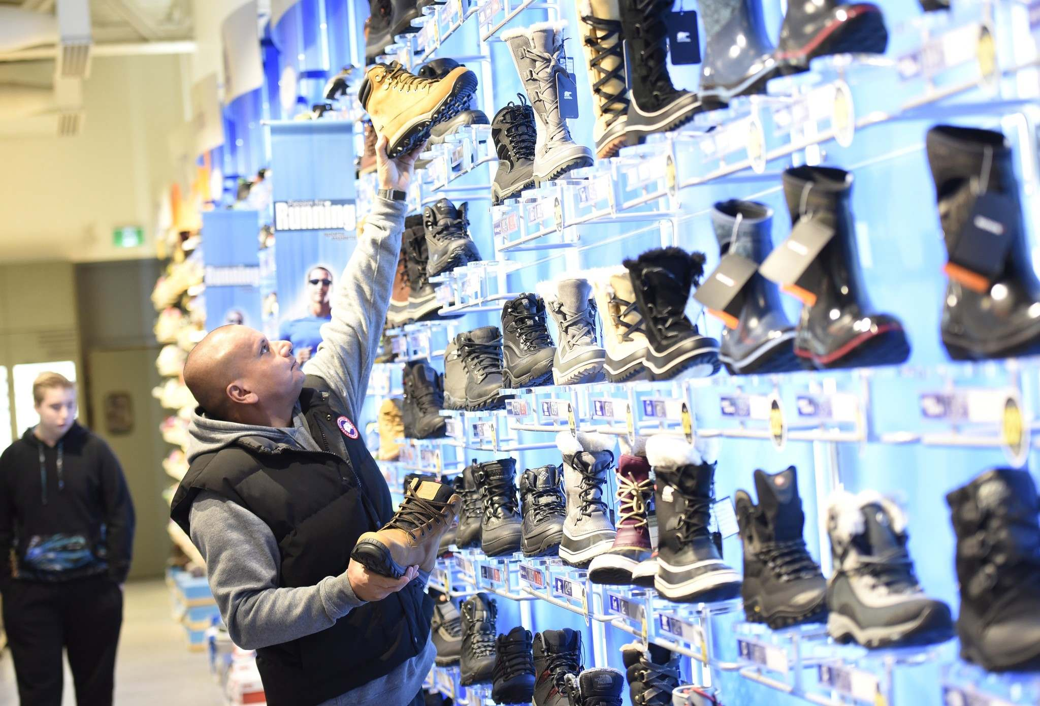 JUSTIN TANG / CANADIAN PRESS FILES</p><p>Manitoba's retailers reported $1.65 billion worth of sales in January, up from just over $1.61 billion in December.</p>