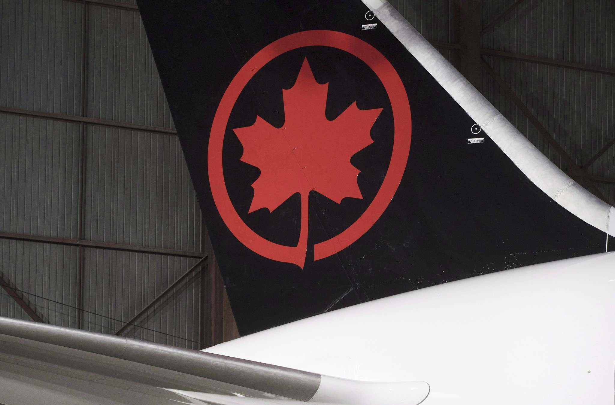 Mark Blinch / THE CANADIAN PRESS FILES</p><p>Former airplane maintenance workers have ramped up efforts to force Air Canada into a settlement in their $1-billion class-action lawsuit.</p>