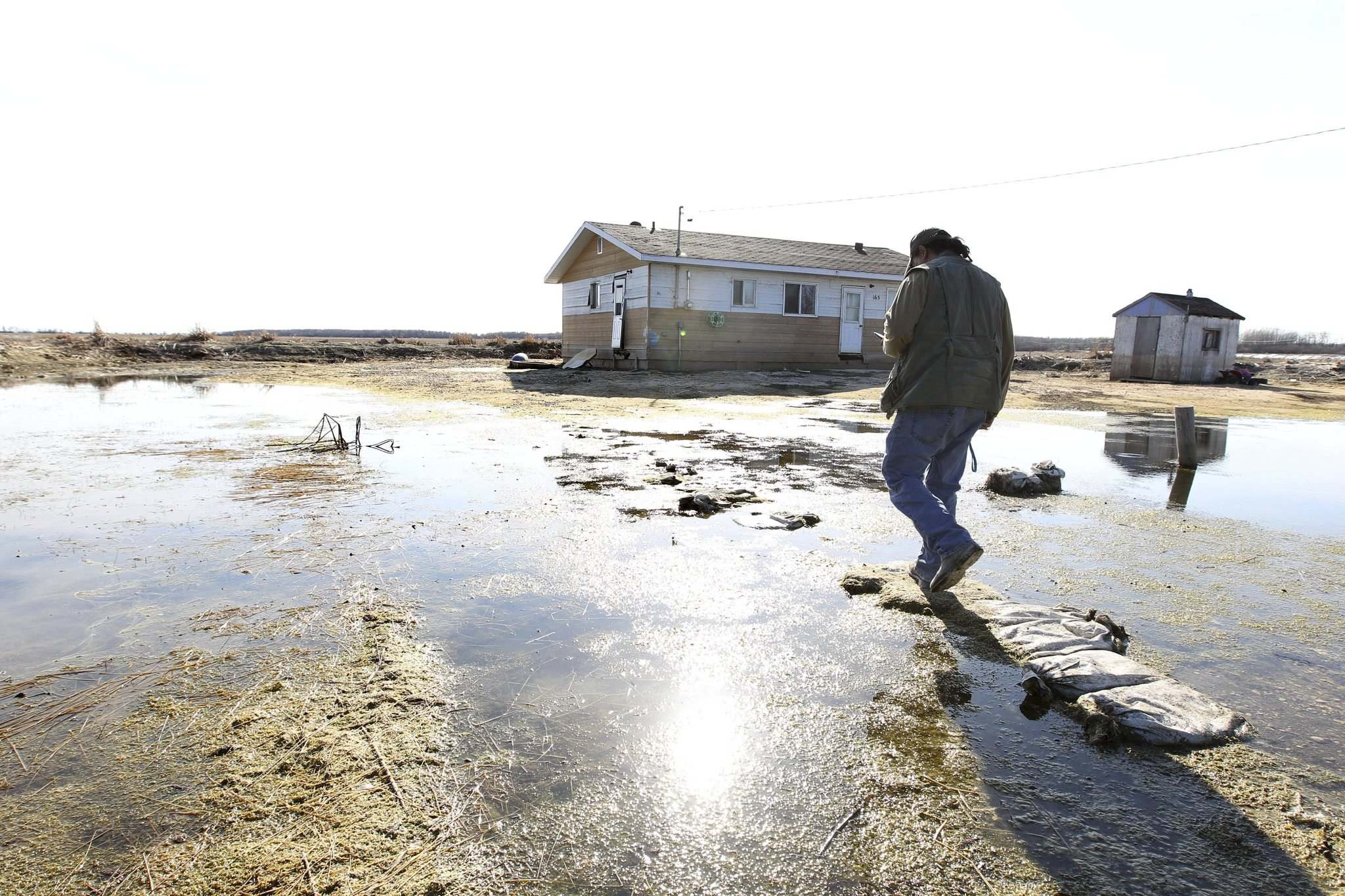 The settlement is open to all members of the Pinaymootang, Little Saskatchewan, Lake St. Martin (pictured) and Dauphin River first nations who were residents at the time of the 2011 flood. (Ruth Bonneville / Winnipeg Free Press files)</p>