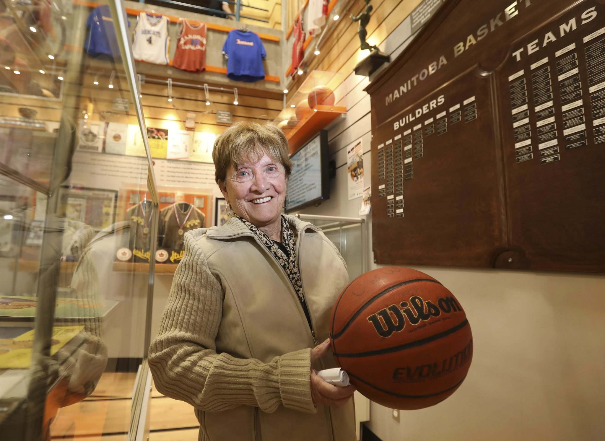 RUTH BONNEVILLE / WINNIPEG FREE PRESS</p><p>Betty Butler represents her husband, Dennis Alvestad, who was announced as an inductee into the Manitoba Basketball Hall of Fame on Tuesday.</p>