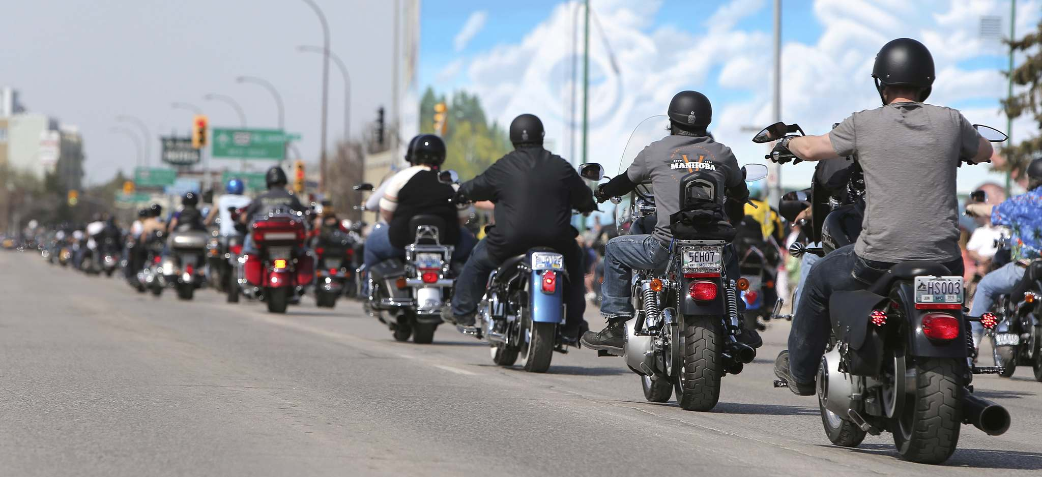 Jason Halstead / Winnipeg Free Press FilesRiders participate in the Motorcycle Ride for Dad.