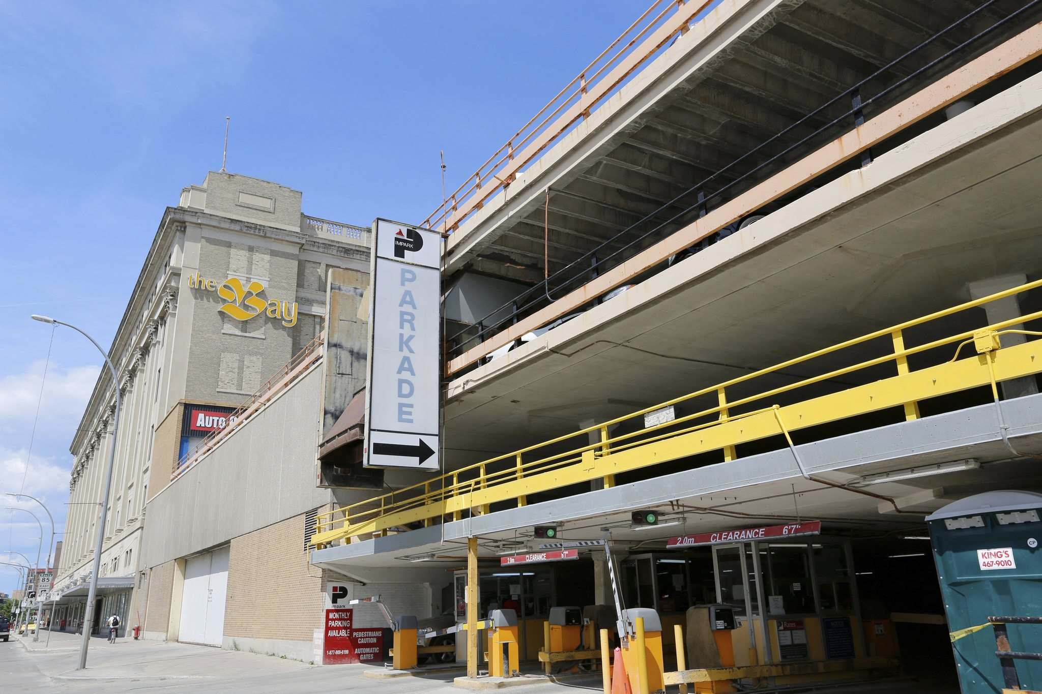 JUSTIN SAMANSKI-LANGILLE / WINNIPEG FREE PRESS</p><p>The Bay Parkade, as seen from Memorial Boulevard, has been hosting vehicles since it opened with two levels in 1954. By 1964, the demand for Downtown parking had seen it expanded to four levels.</p></p>