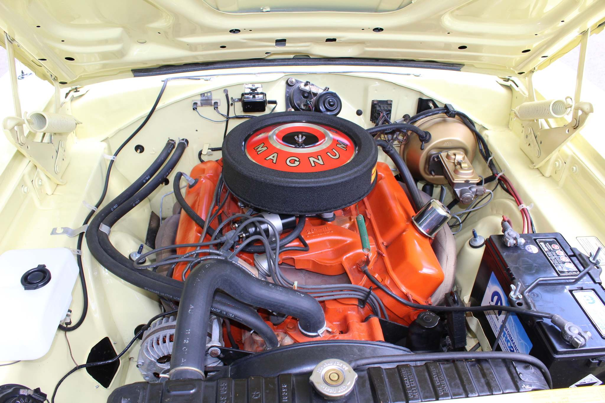 The 440-cubic-inch Magnum V-8 engine was completely rebuilt by Ken Murray at Ken's Kustom Auto Machine in Winnipeg and fitted with a Pertronix Ignitor electronic ignition module.