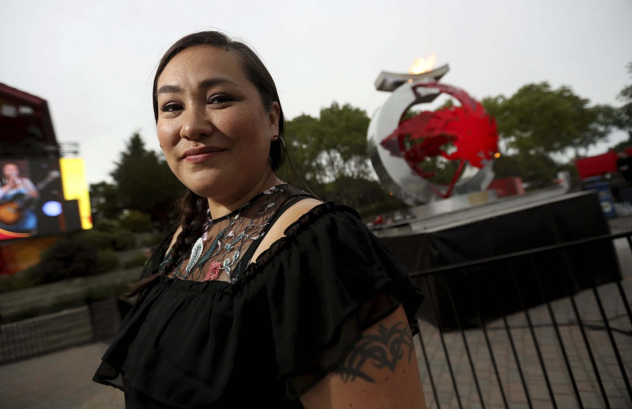 TREVOR HAGAN / WINNIPEG FREE PRESS</p><p>Diyet, a performer from the Yukon, at The Forks on Northern Territories night on Wednesday.</p>