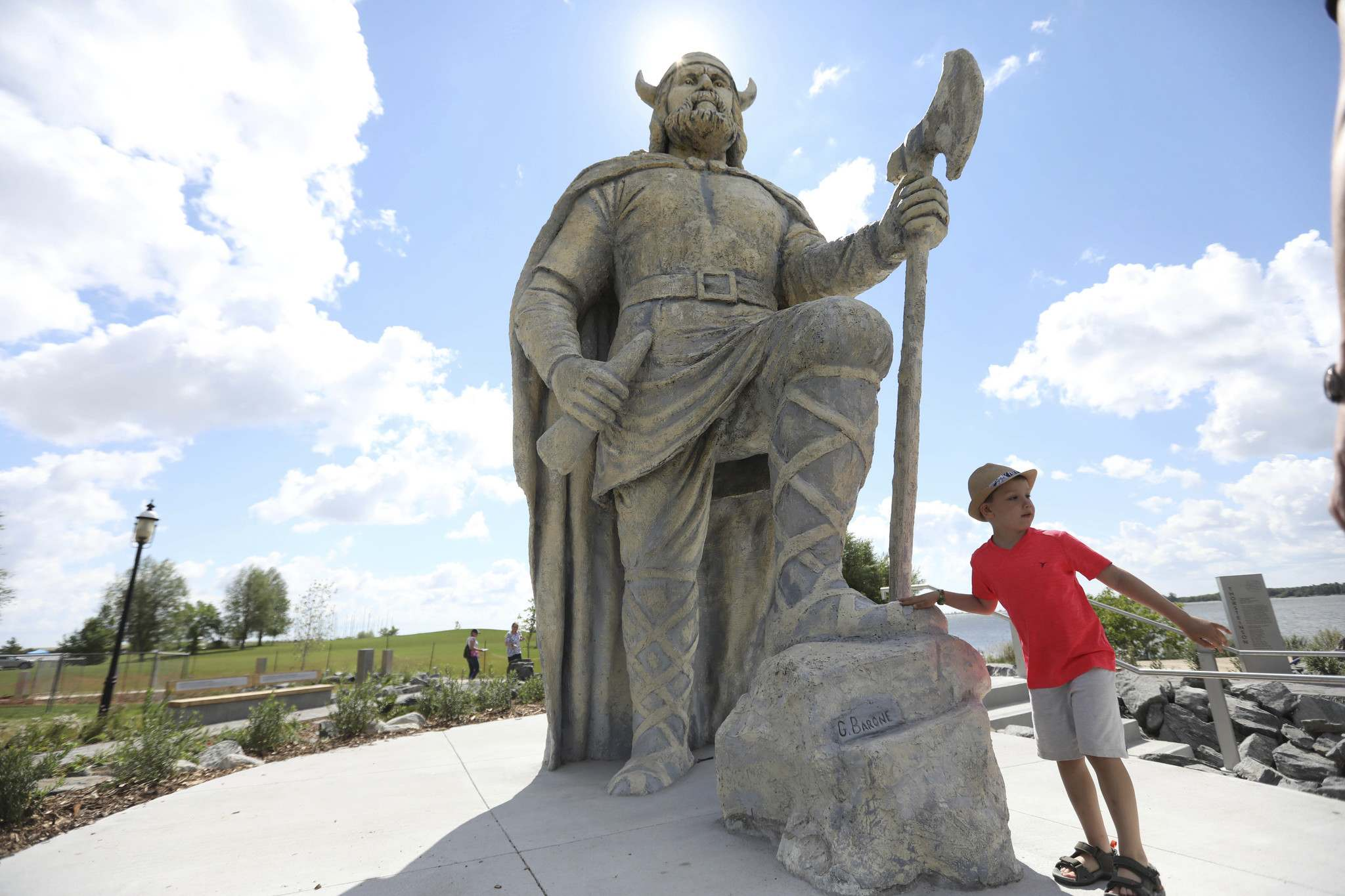 RUTH BONNEVILLE / WINNIPEG FREE PRESS</p><p>Six-year-old Bentley Gray checks out the Viking statue in the newly created Viking Park in Gimli. </p>