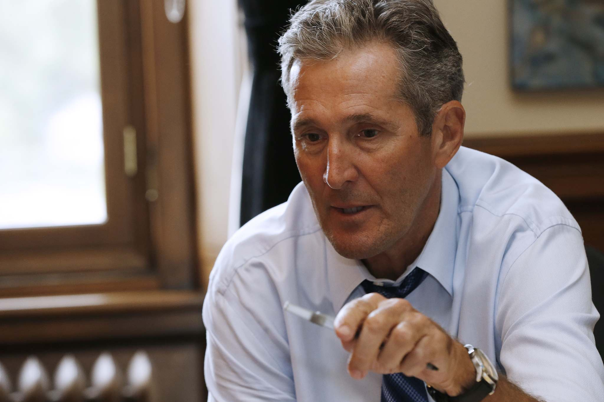 JOHN WOODS / WINNIPEG FREE PRESS</p><p>Manitoba Premier Brian Pallister talks about his travel and communication activities in his office at the Manitoba Legislature.</p>