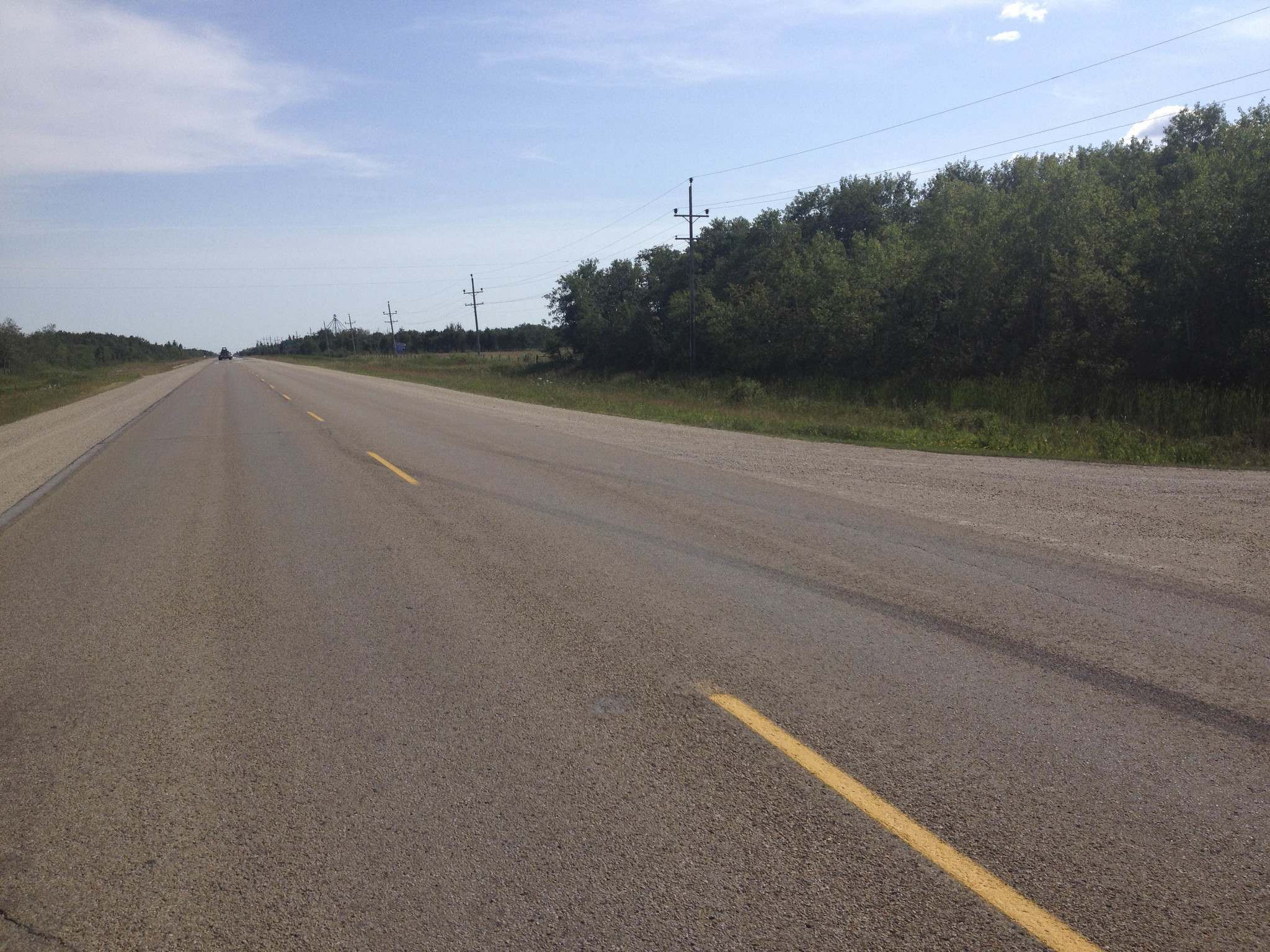 SUPPLIED</p><p>Birdeen Malchuk shot a series of photos of the road the day after a motorist buzzed them around 1:20 a.m. Aug. 5 on Highway 7 north of Teulon. Skid marks can be seen crossing the lanes.</p>